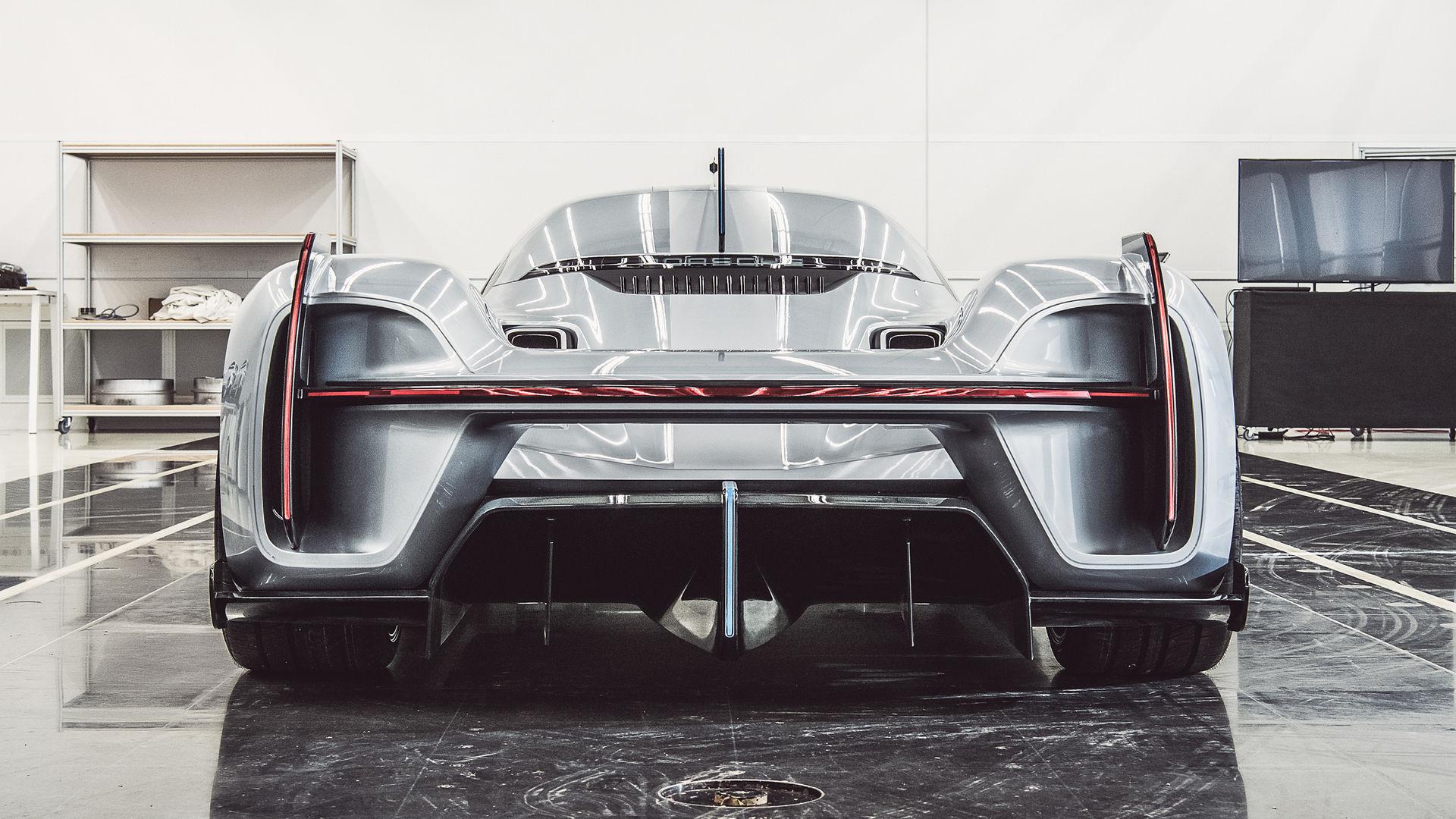 Porsche-919-Street-6