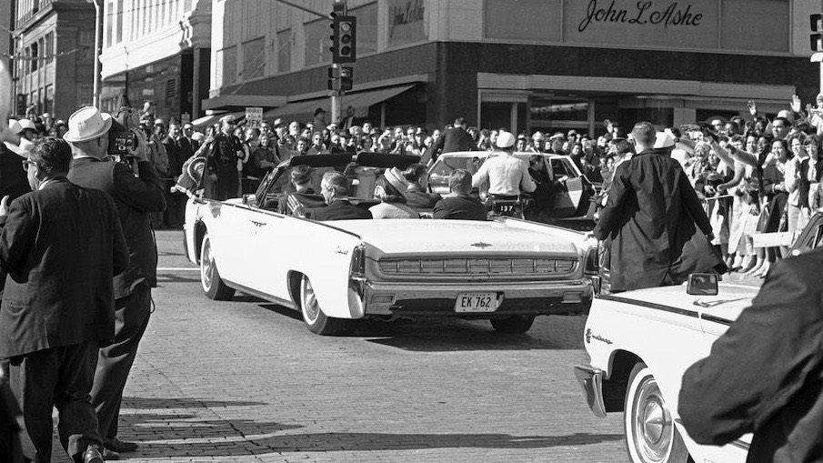 President-Kennedy-Lincolns-8