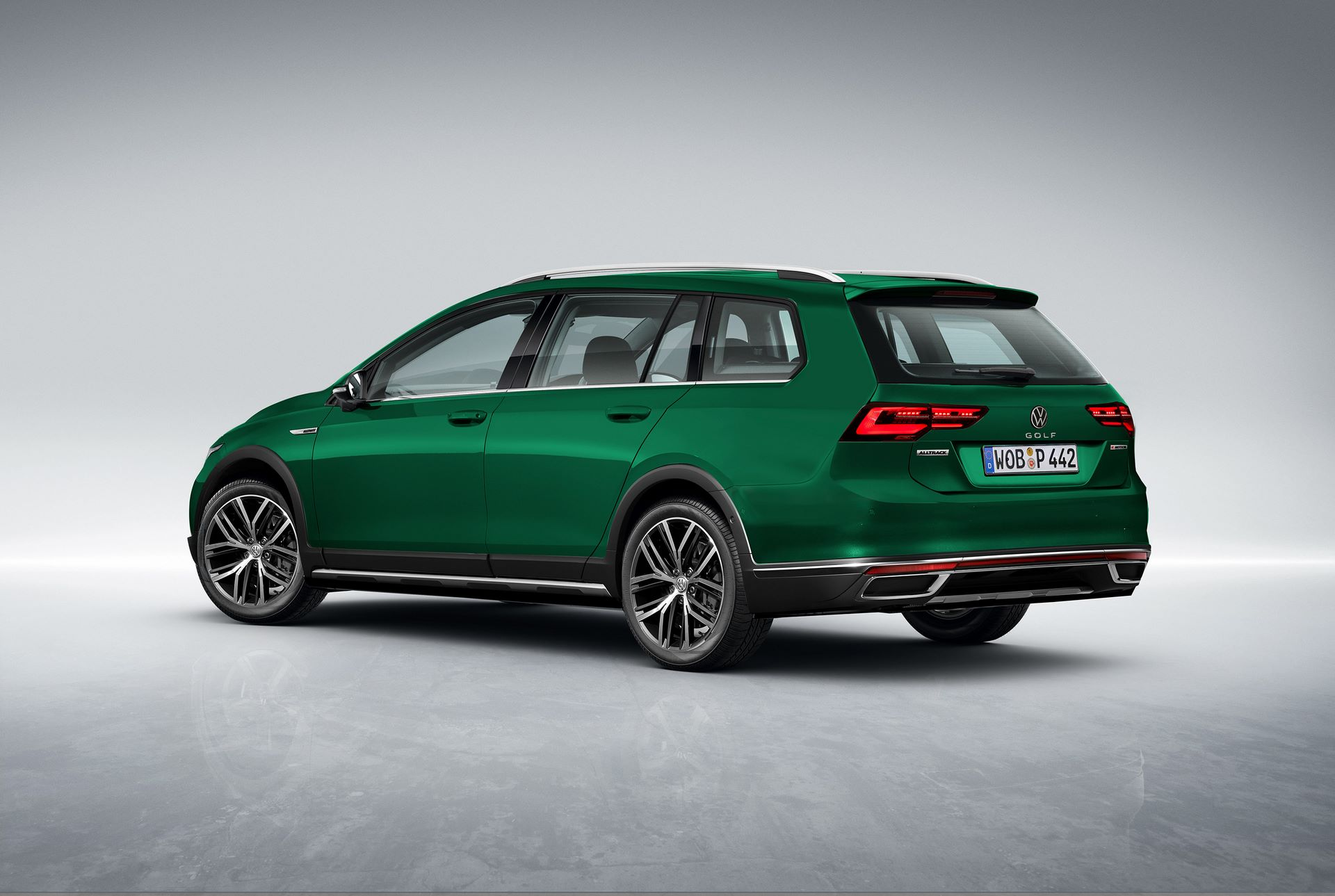 Volkswagen-Golf-Variant-Alltrack-2