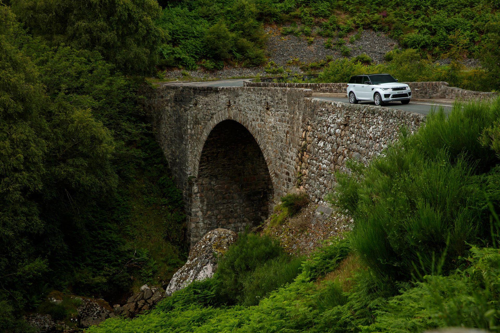 2021-Range-Rover-Sport-7