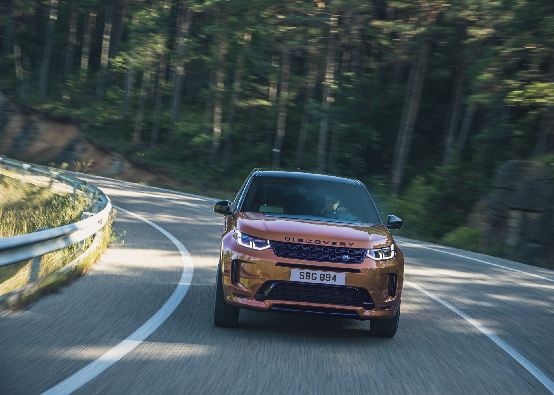 Range-Rover-Evoque-and-Land-Rover-Discovery-Sport-MHEV-diesel-1