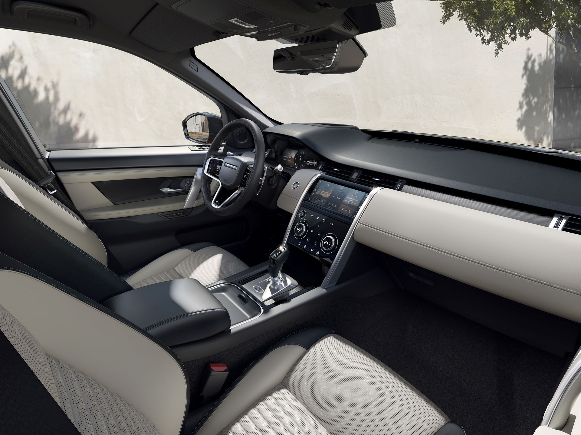 Range-Rover-Evoque-and-Land-Rover-Discovery-Sport-MHEV-diesel-12