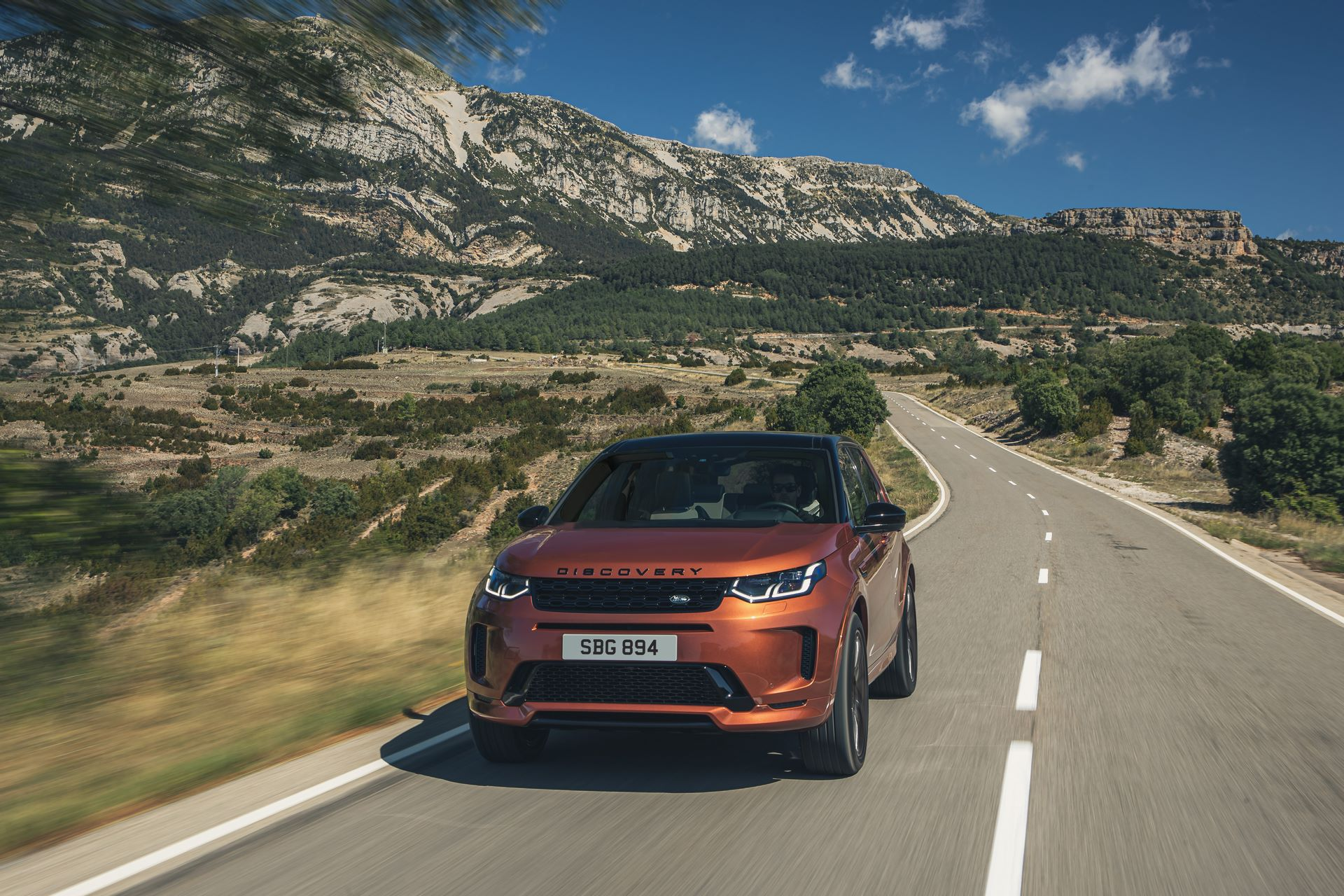 Range-Rover-Evoque-and-Land-Rover-Discovery-Sport-MHEV-diesel-2