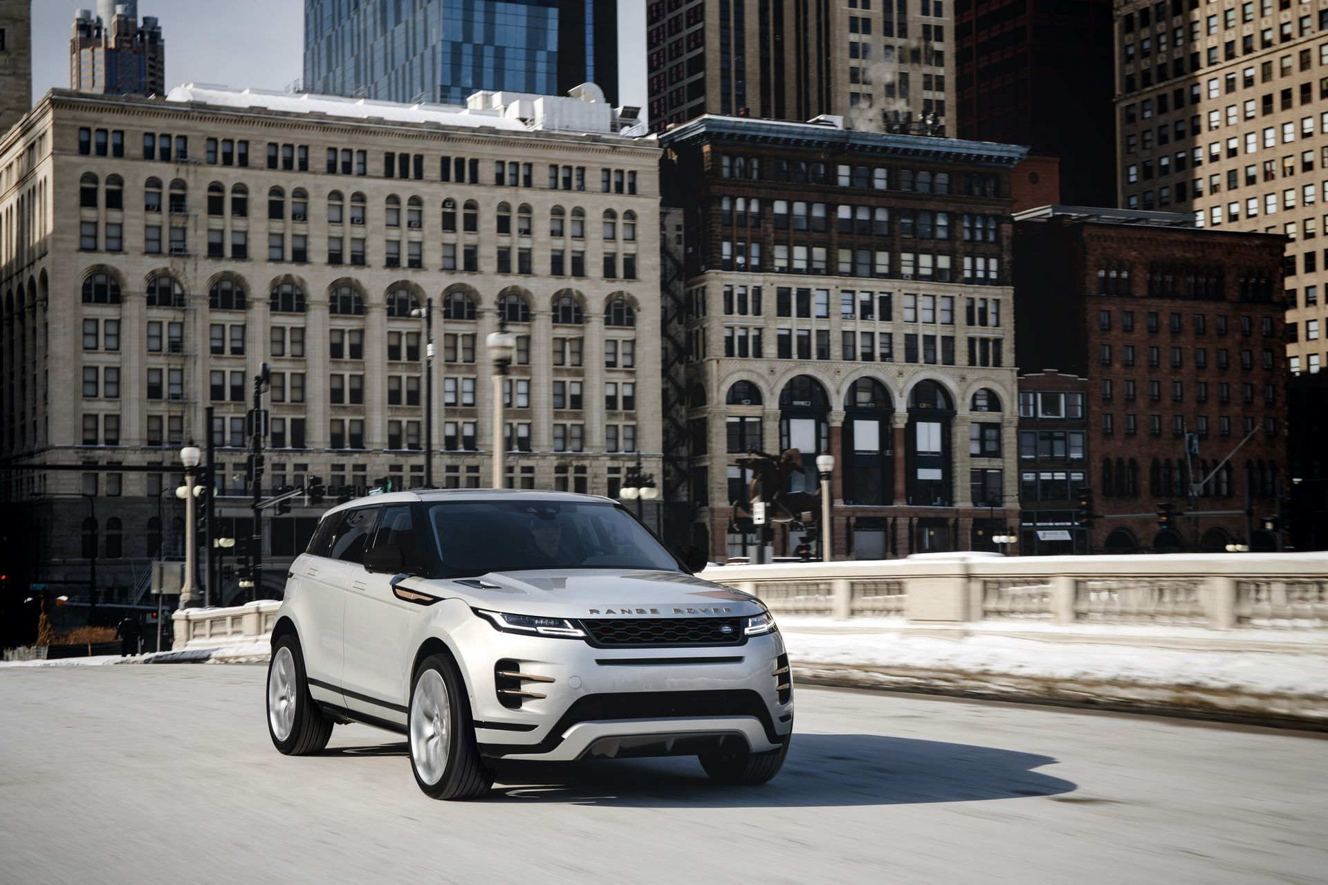 Range-Rover-Evoque-and-Land-Rover-Discovery-Sport-MHEV-diesel-28