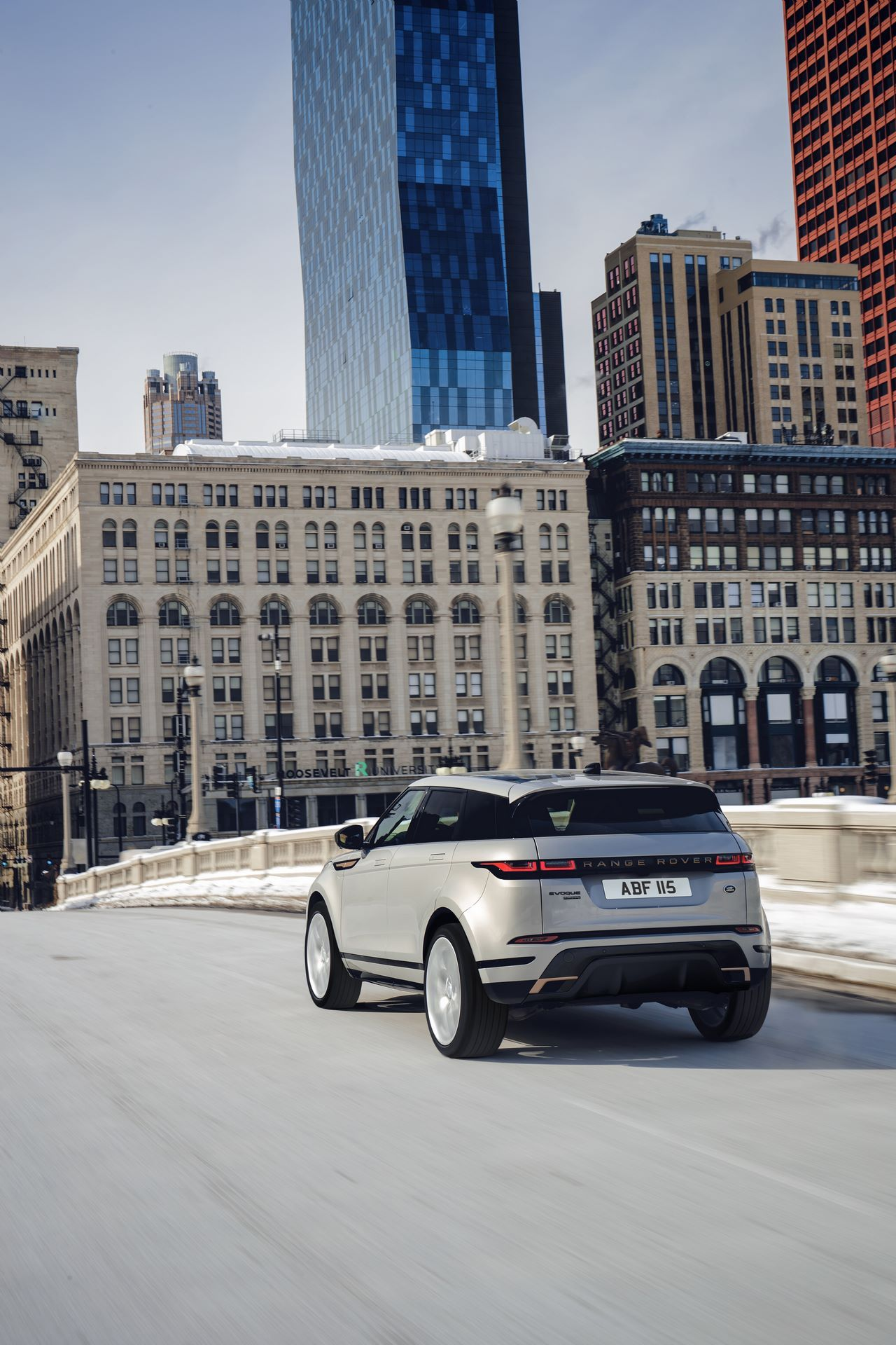 Range-Rover-Evoque-and-Land-Rover-Discovery-Sport-MHEV-diesel-29