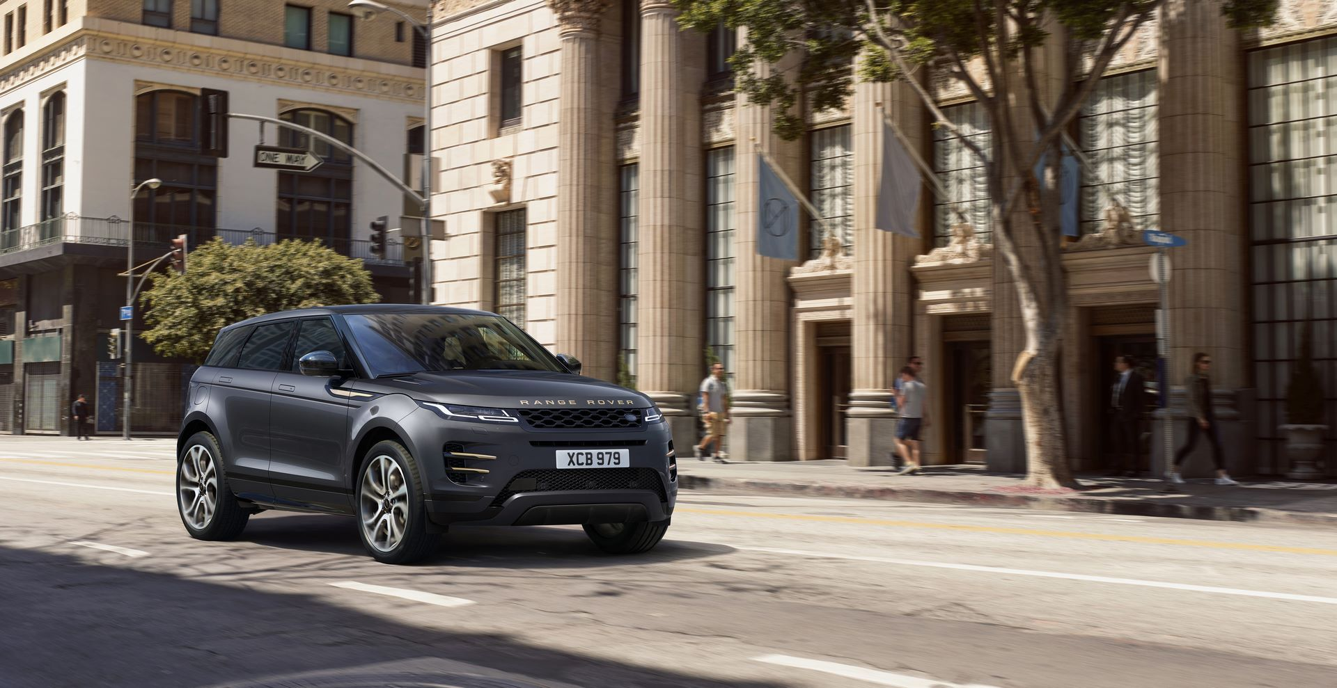 Range-Rover-Evoque-and-Land-Rover-Discovery-Sport-MHEV-diesel-33