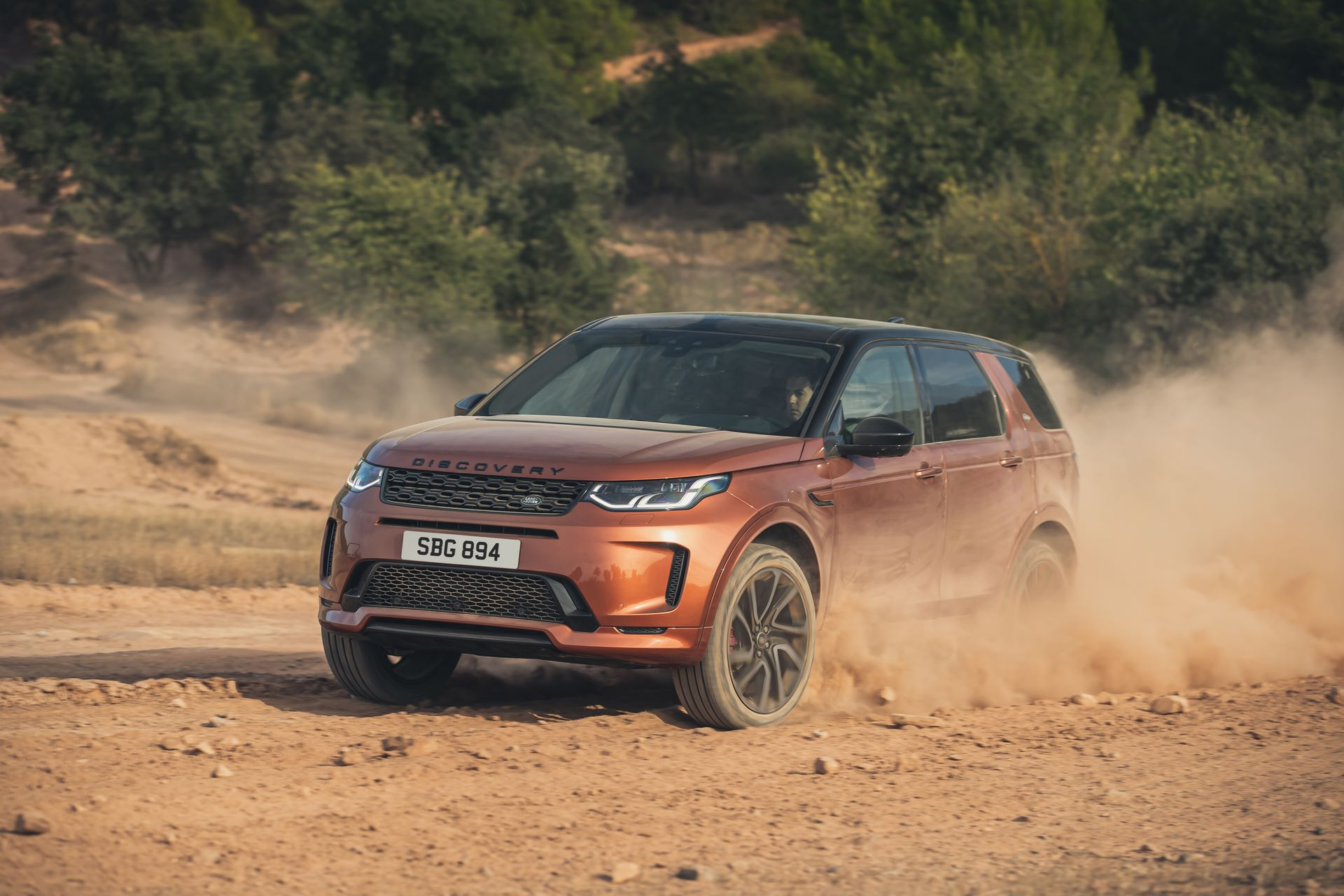 Range-Rover-Evoque-and-Land-Rover-Discovery-Sport-MHEV-diesel-4
