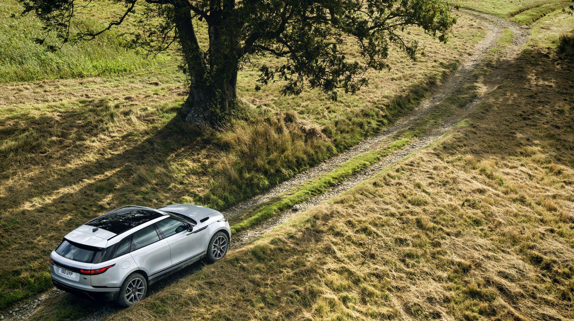 Range-Rover-Velar-2021-11