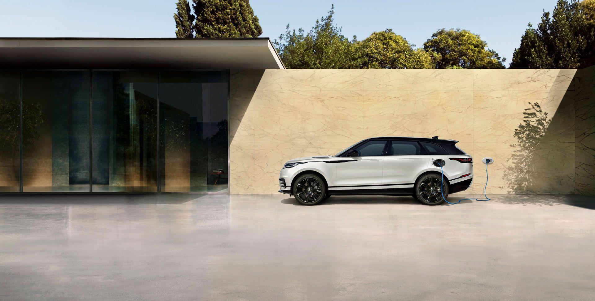 Range-Rover-Velar-2021-13