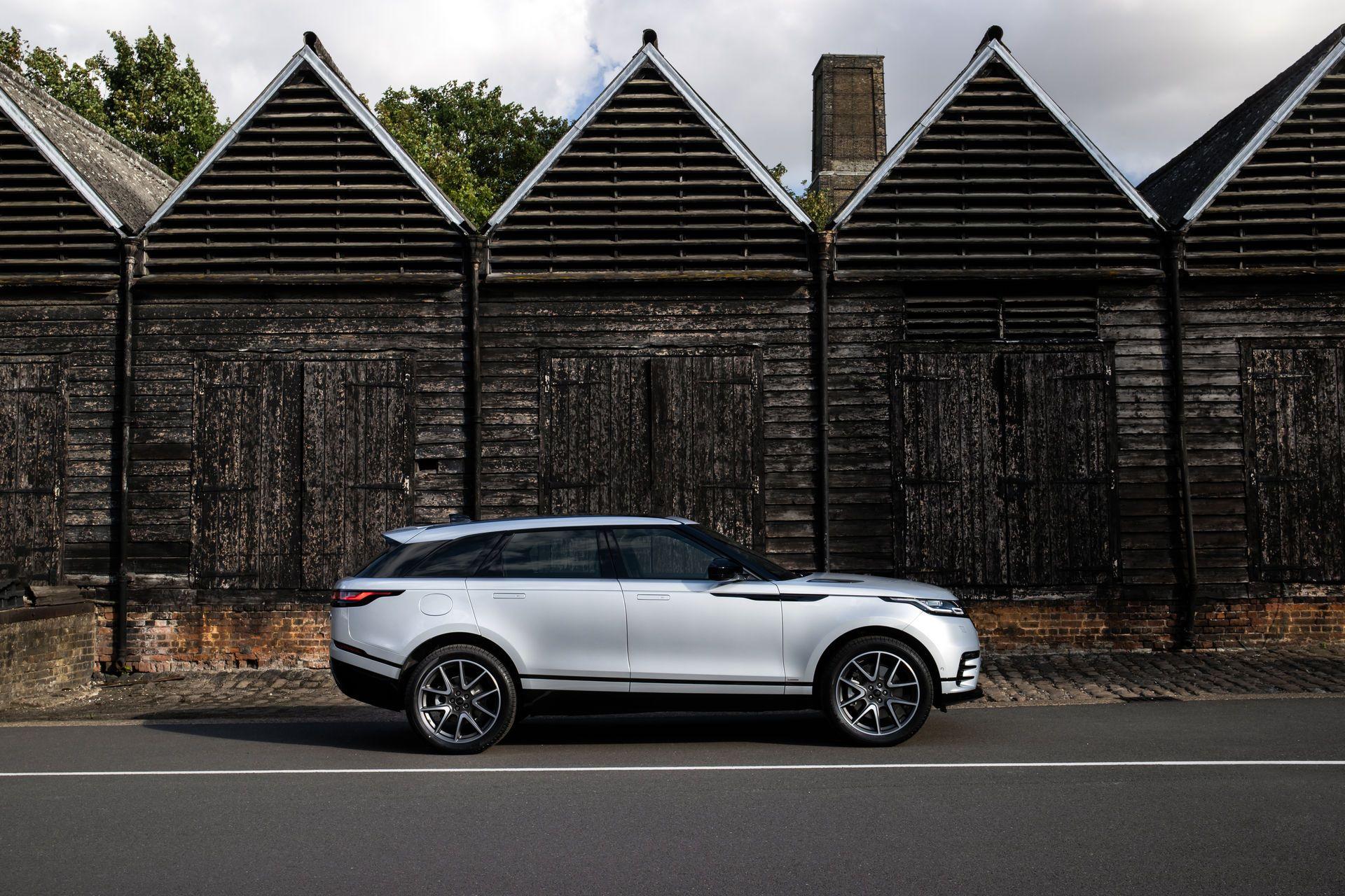 Range-Rover-Velar-2021-14