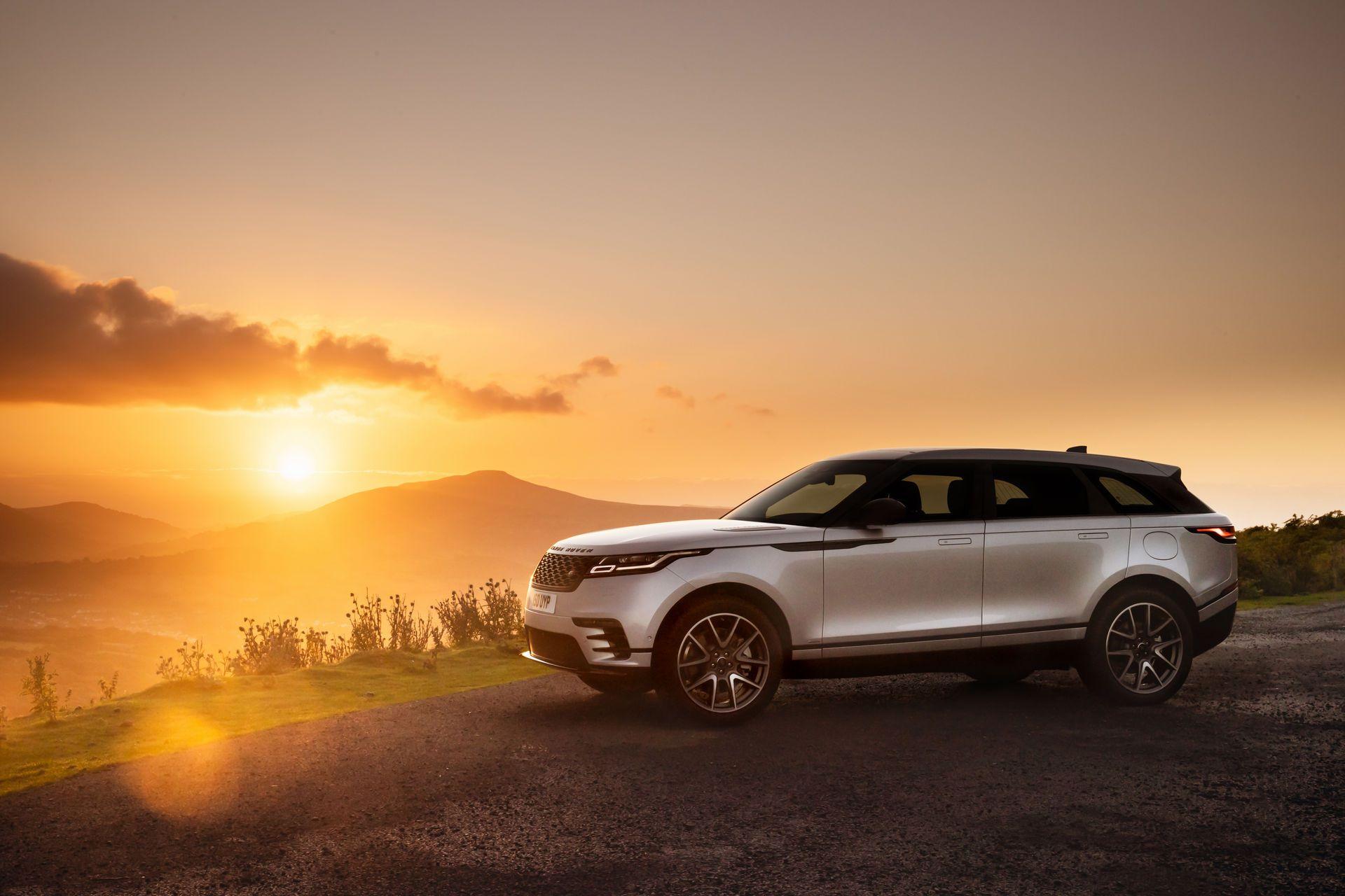 Range-Rover-Velar-2021-16