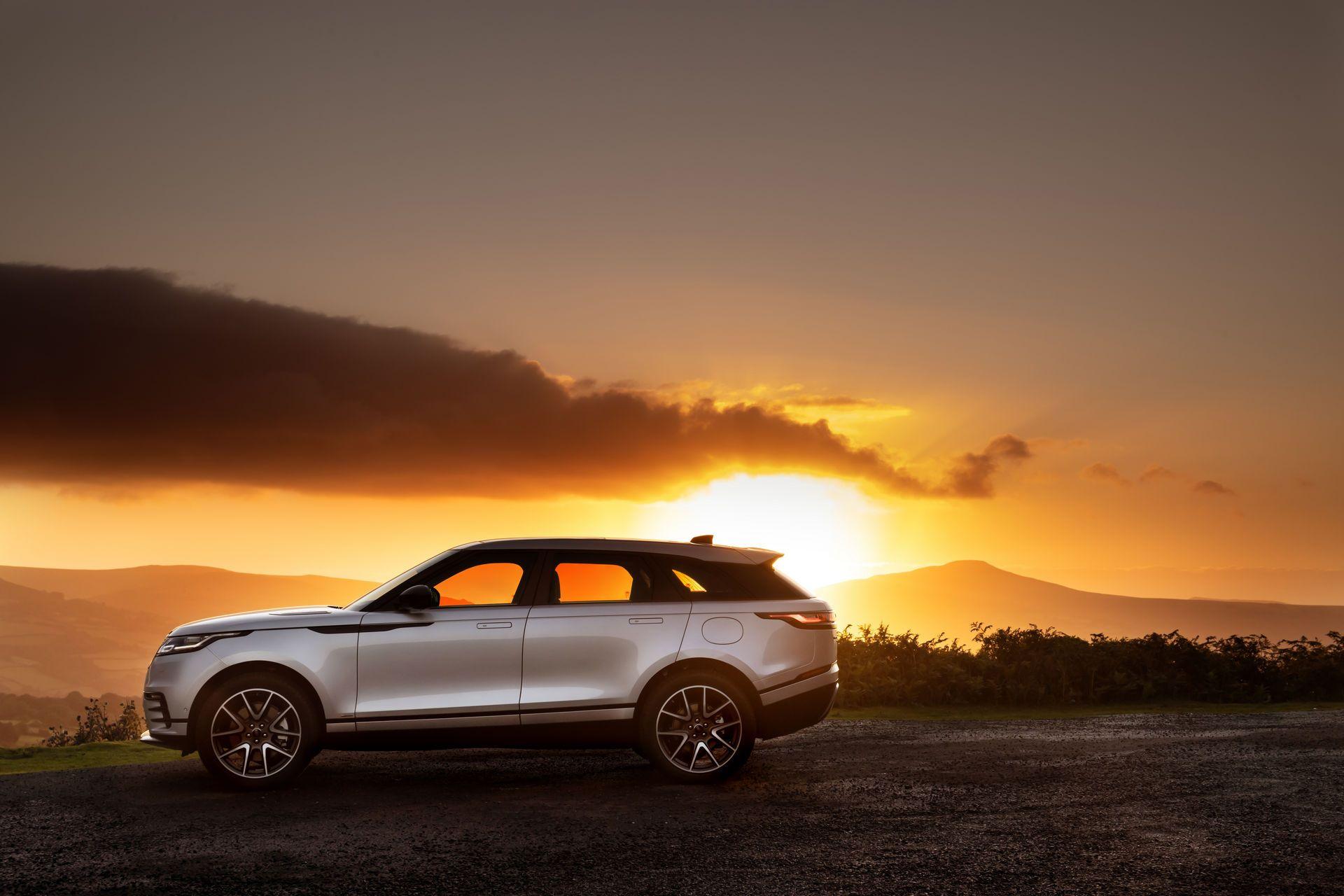 Range-Rover-Velar-2021-17