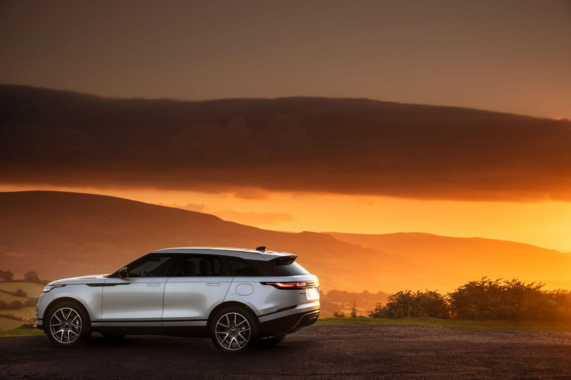 Range-Rover-Velar-2021-18