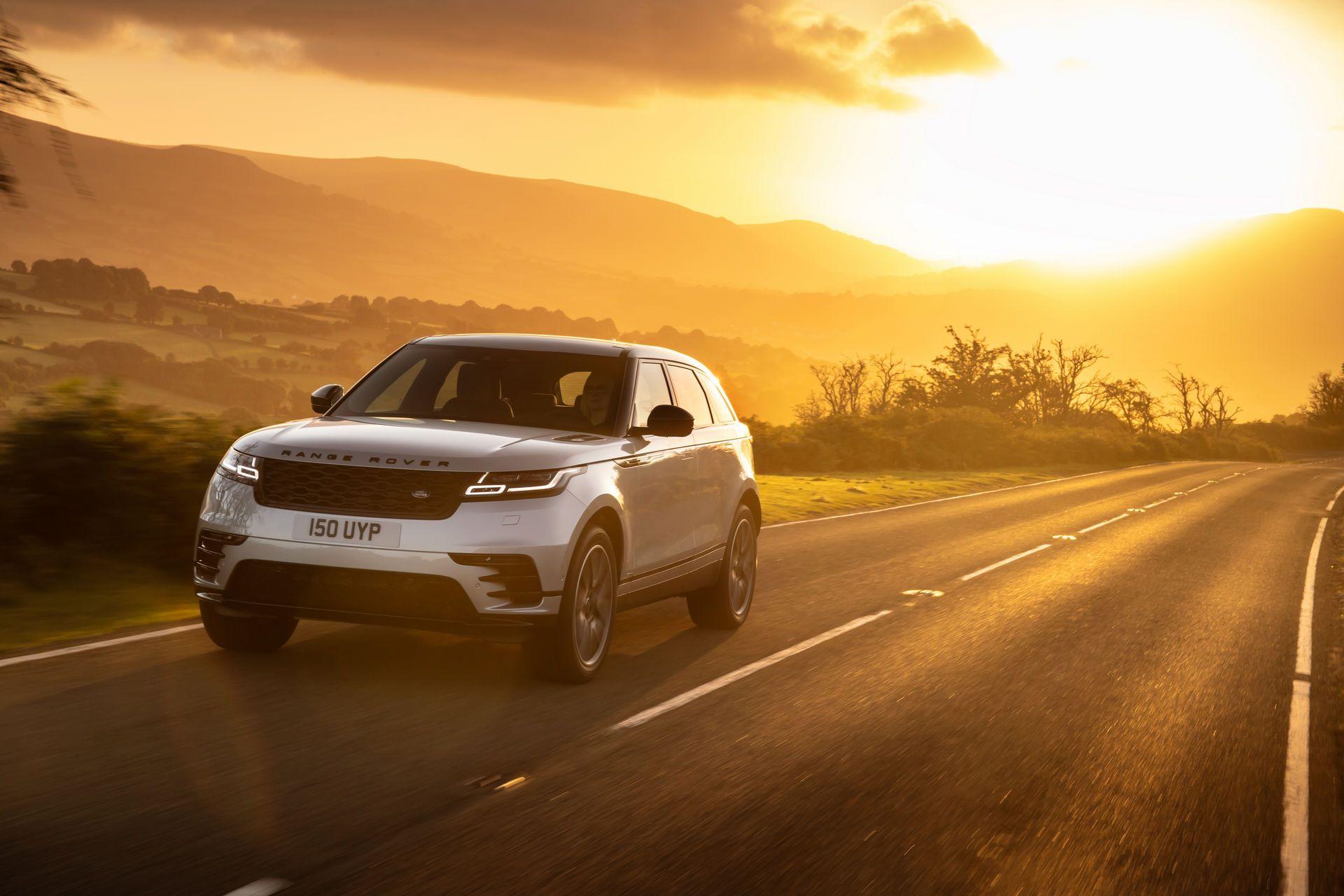 Range-Rover-Velar-2021-19