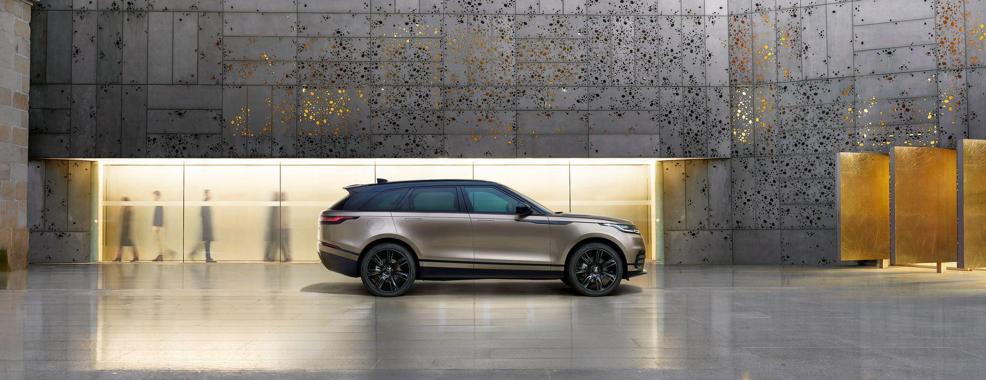 Range-Rover-Velar-2021-25