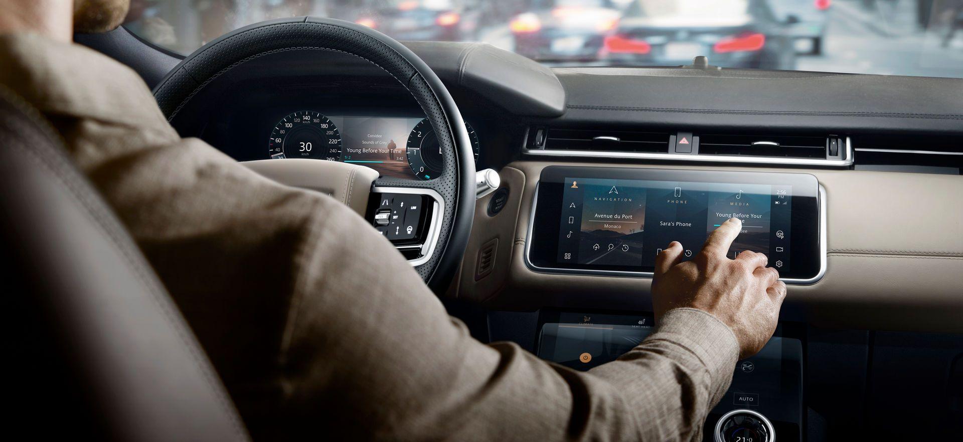Range-Rover-Velar-2021-43