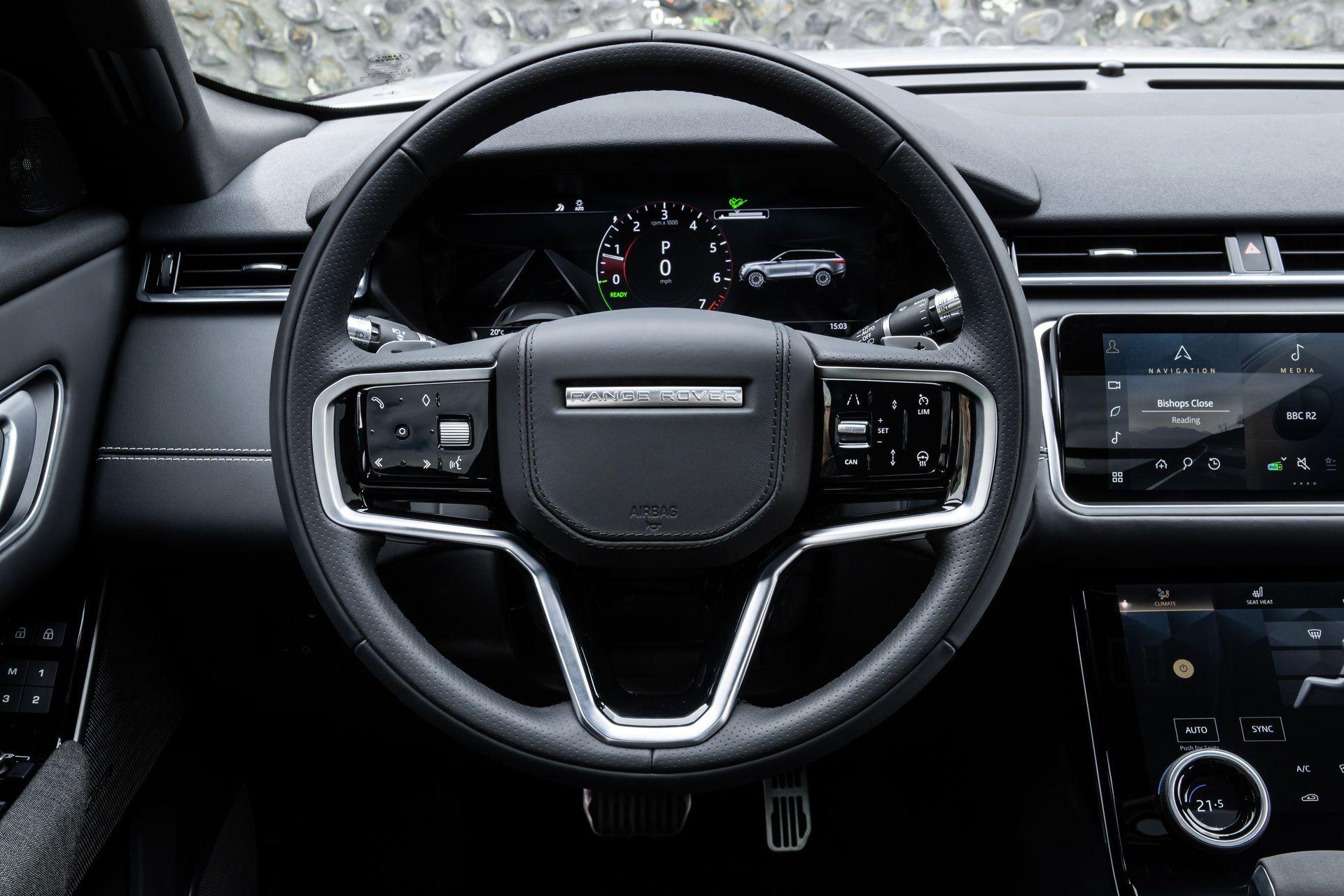 Range-Rover-Velar-2021-48