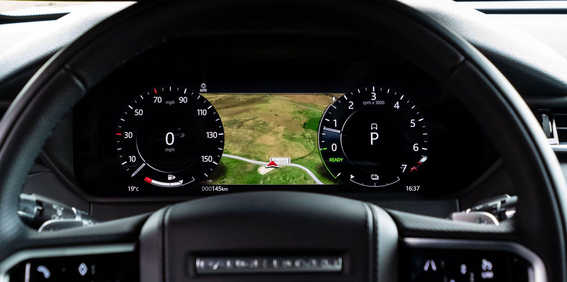 Range-Rover-Velar-2021-51