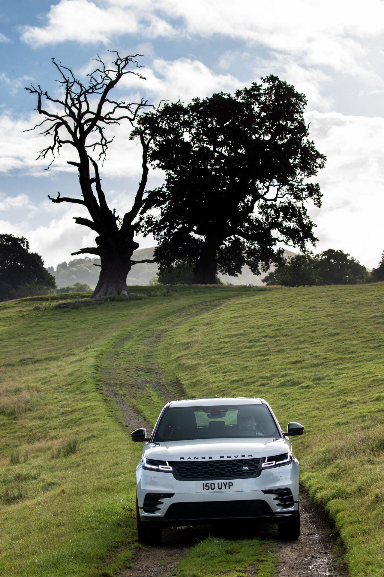 Range-Rover-Velar-2021-8