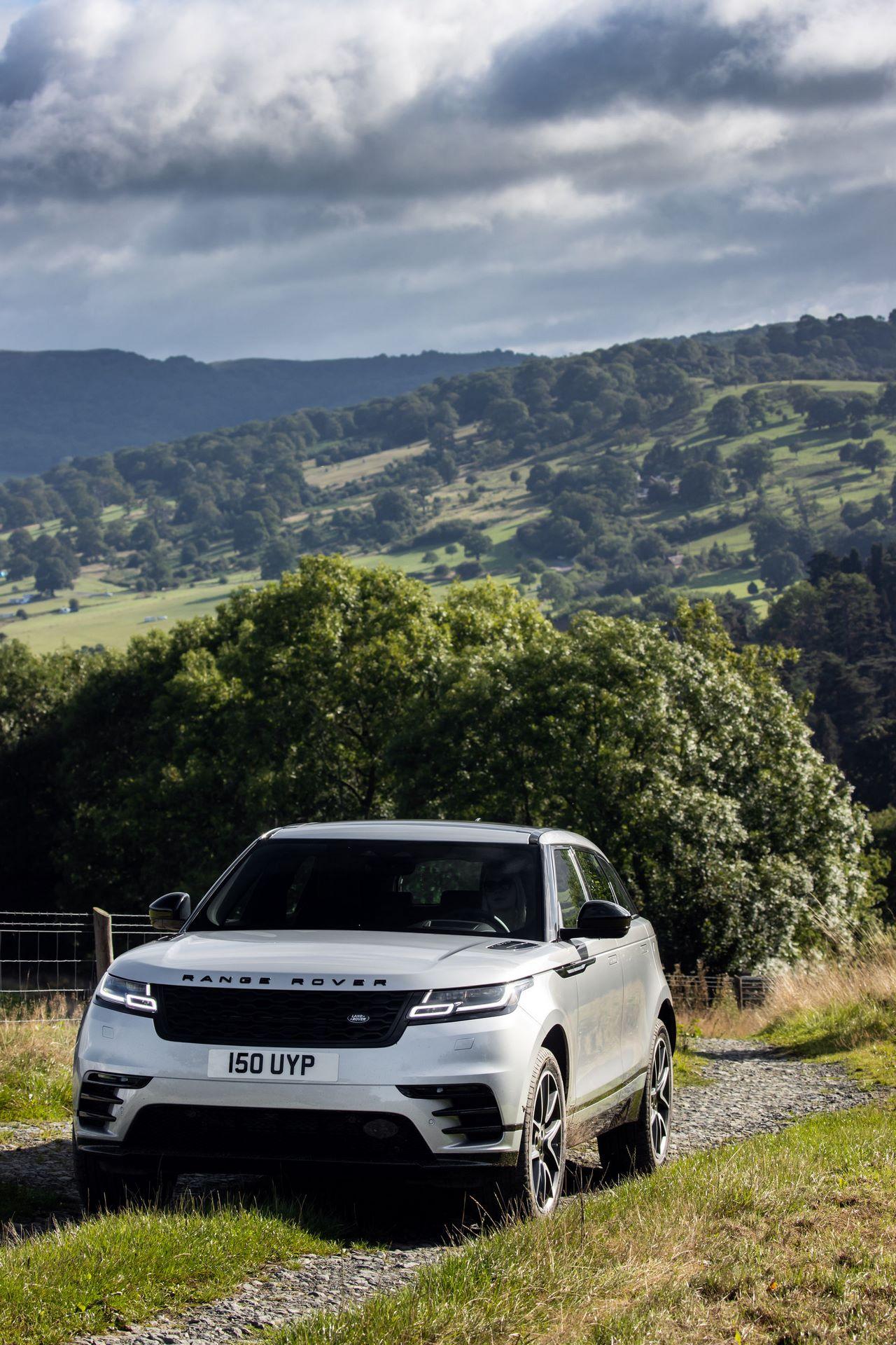 Range-Rover-Velar-2021-9
