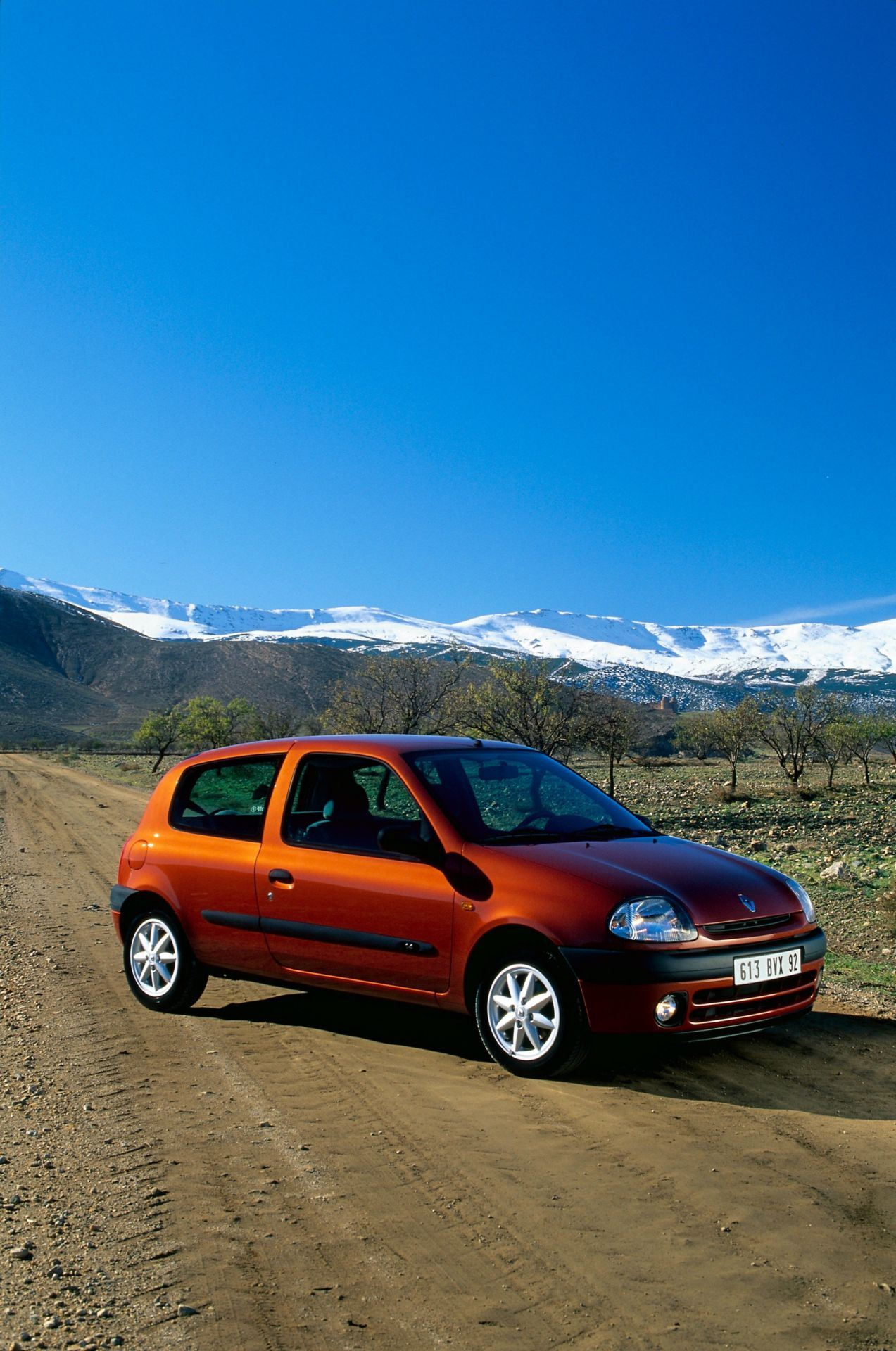 2020-30-years-of-Renault-CLIO-Renault-CLIO-2-1998-2005-4