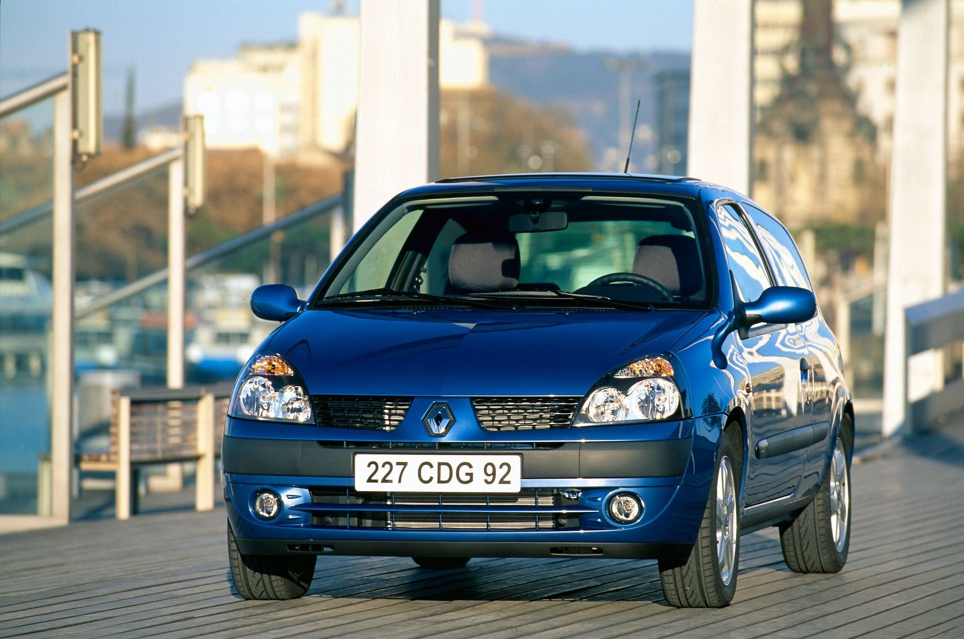 2020-30-years-of-Renault-CLIO-Renault-CLIO-2-1998-2005-6