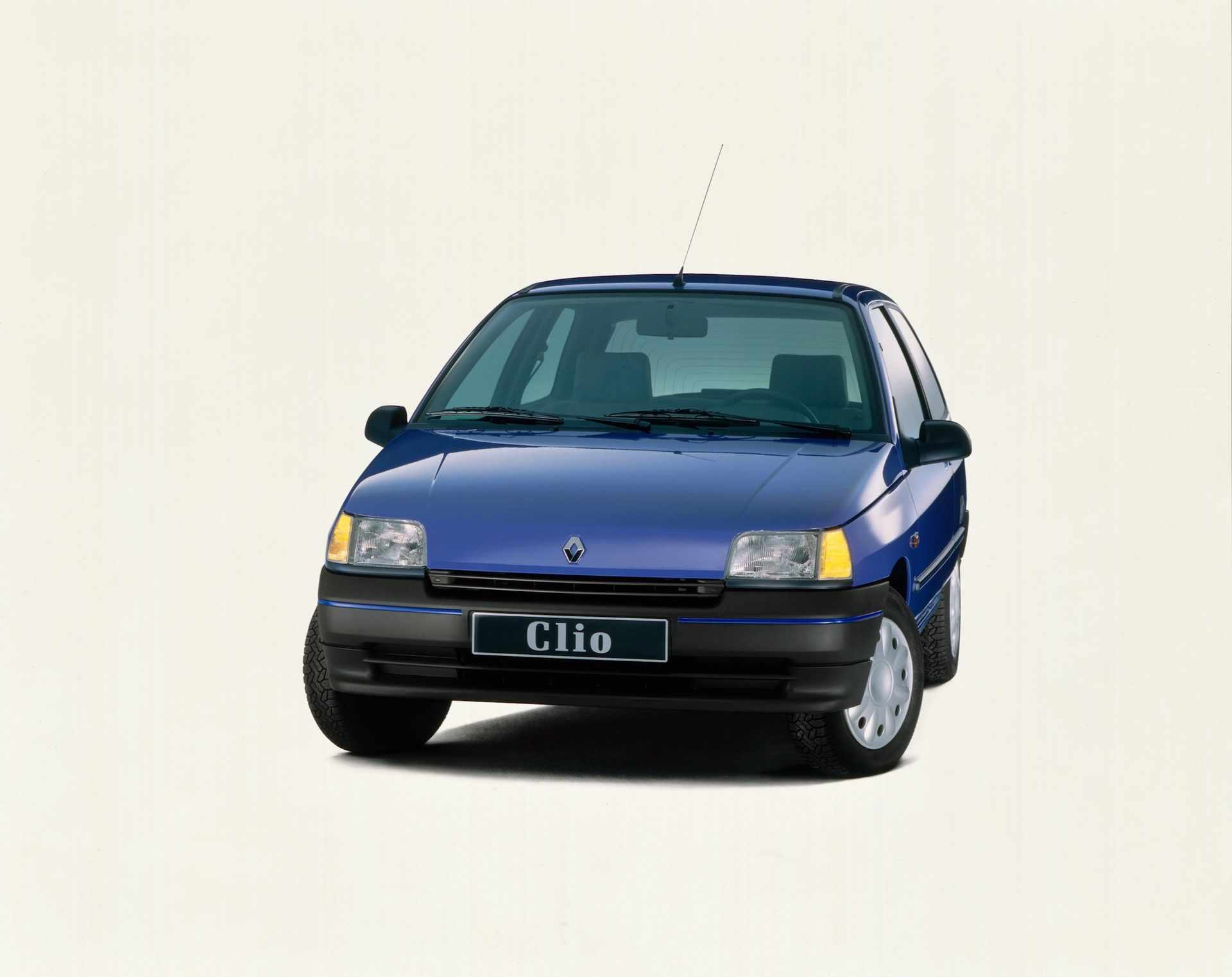 2020-30-years-of-Renault-CLIO-Renault-CLIO-I-1990-1999-16