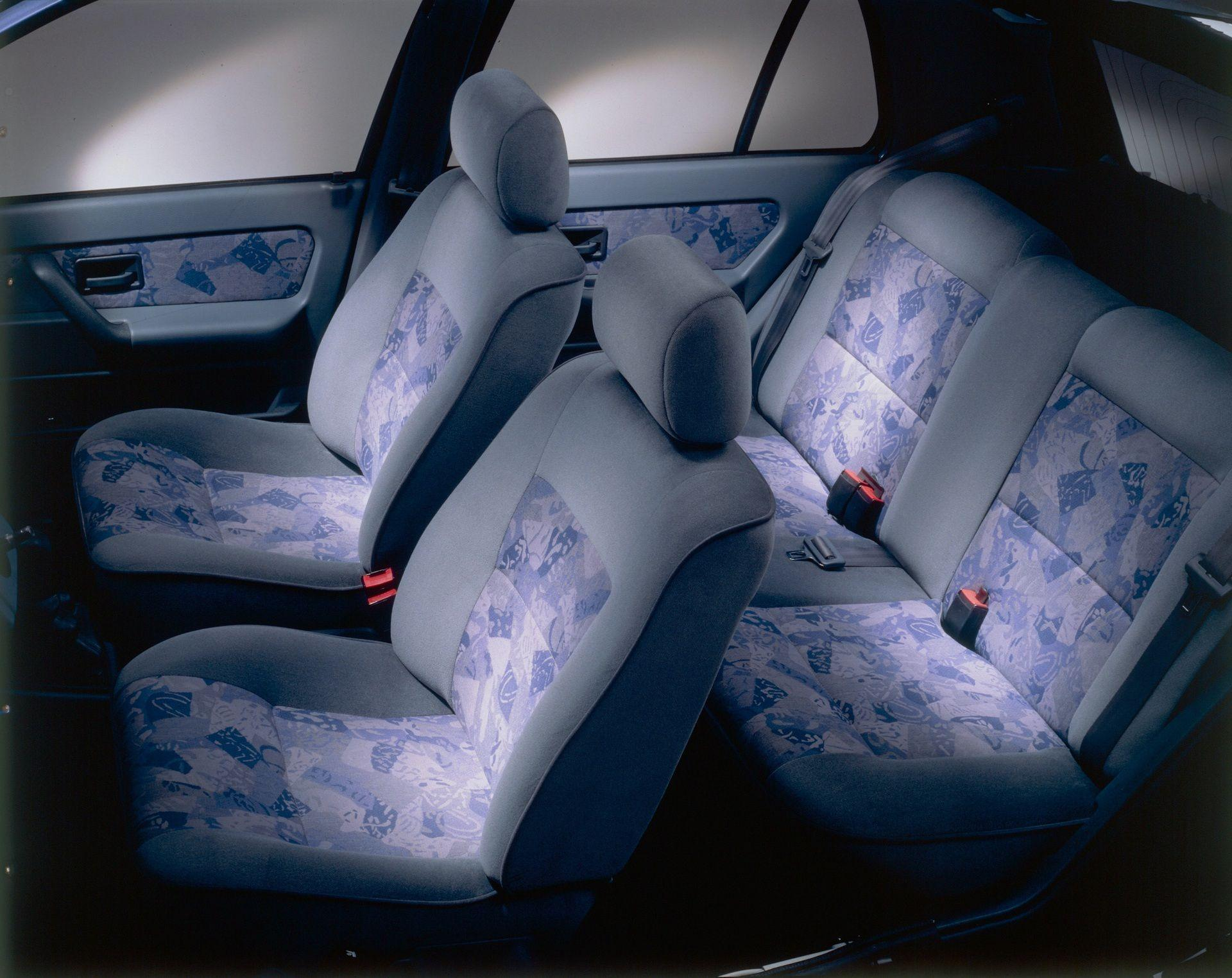 2020-30-years-of-Renault-CLIO-Renault-CLIO-I-1990-1999-17