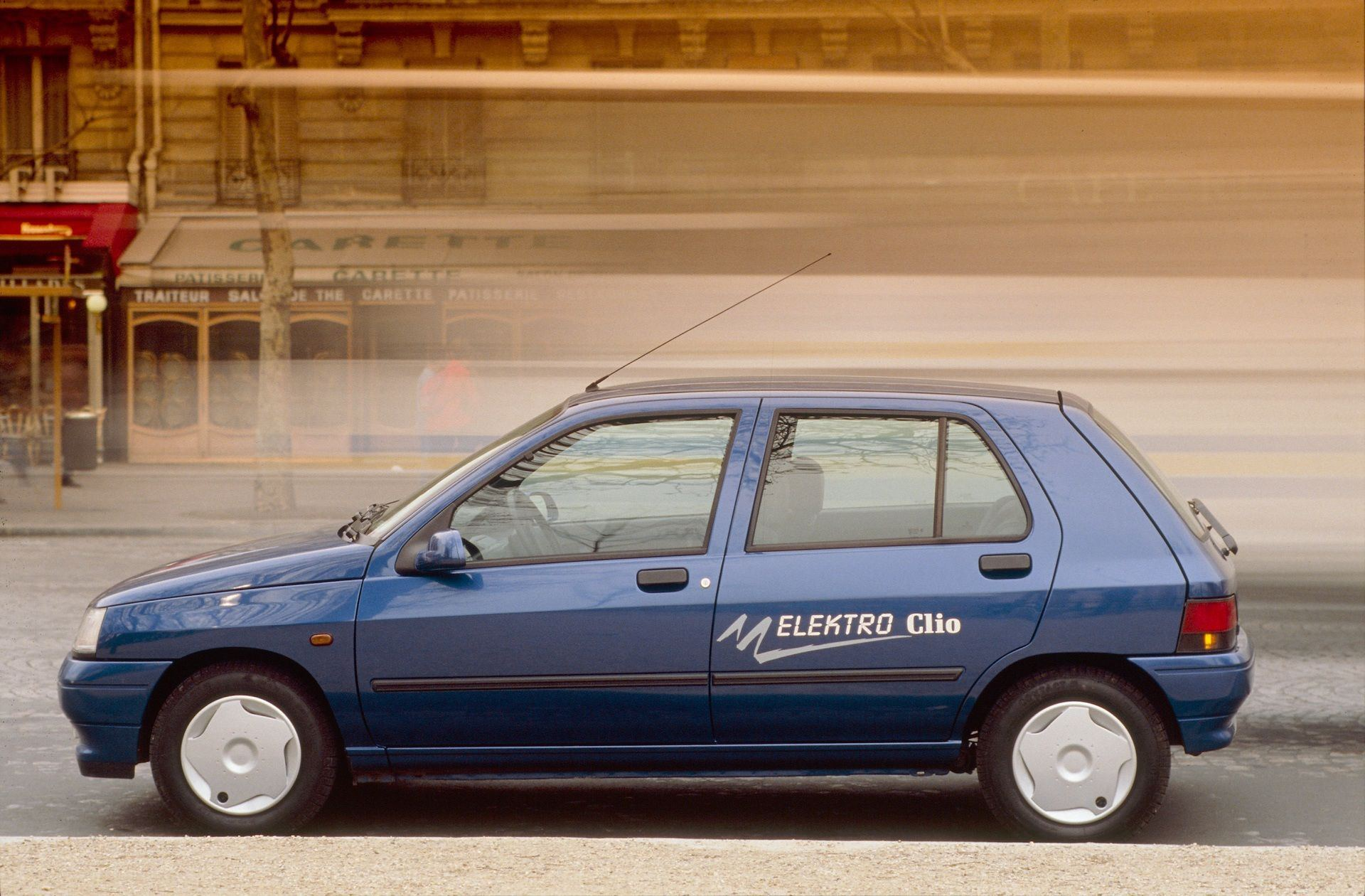 2020-30-years-of-Renault-CLIO-Renault-CLIO-I-1990-1999-21