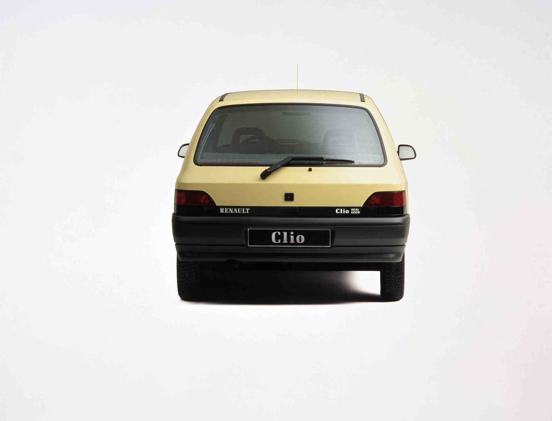 2020-30-years-of-Renault-CLIO-Renault-CLIO-I-1990-1999-4