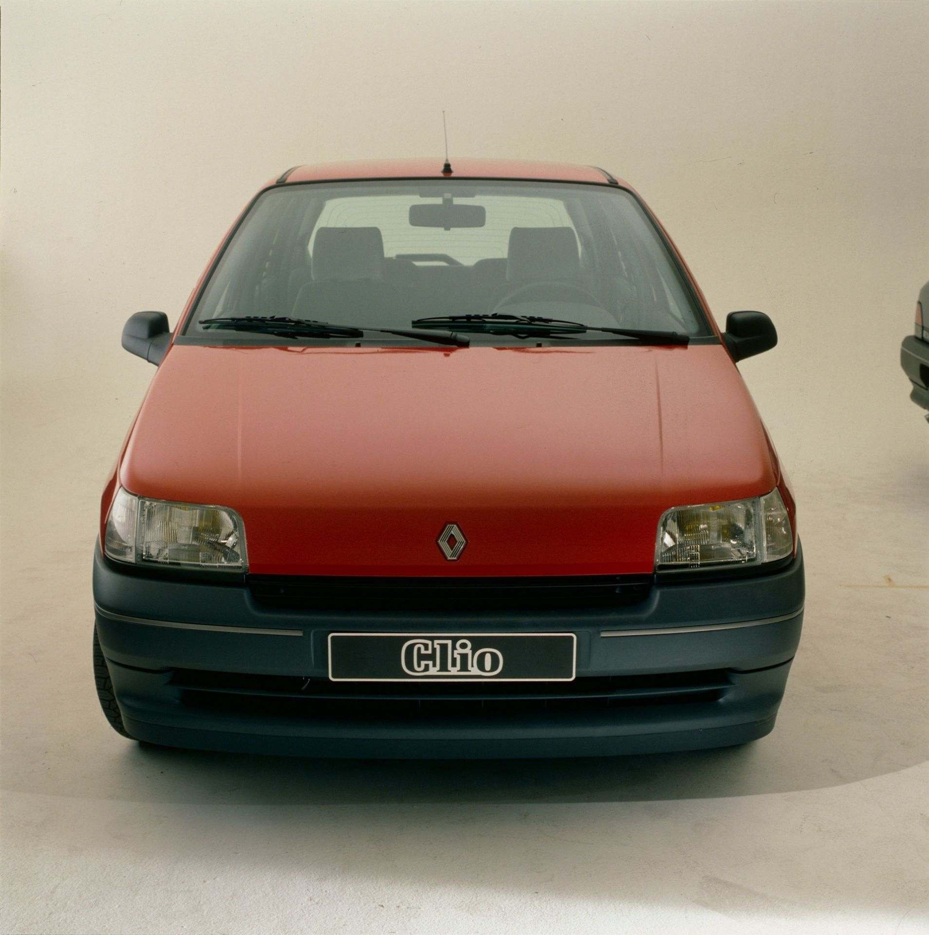 2020-30-years-of-Renault-CLIO-Renault-CLIO-I-1990-1999-5