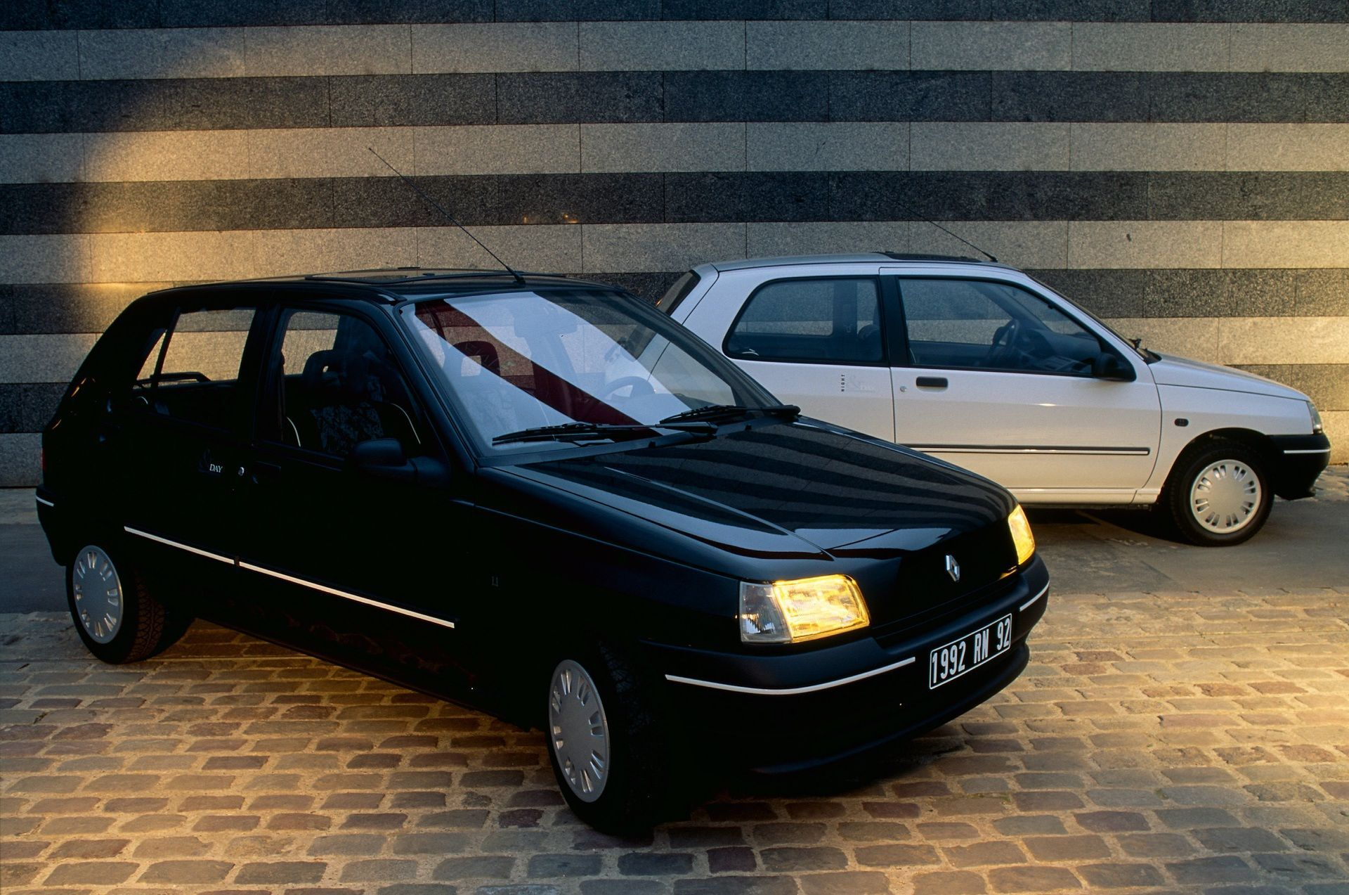 2020-30-years-of-Renault-CLIO-Renault-CLIO-I-1990-1999-7