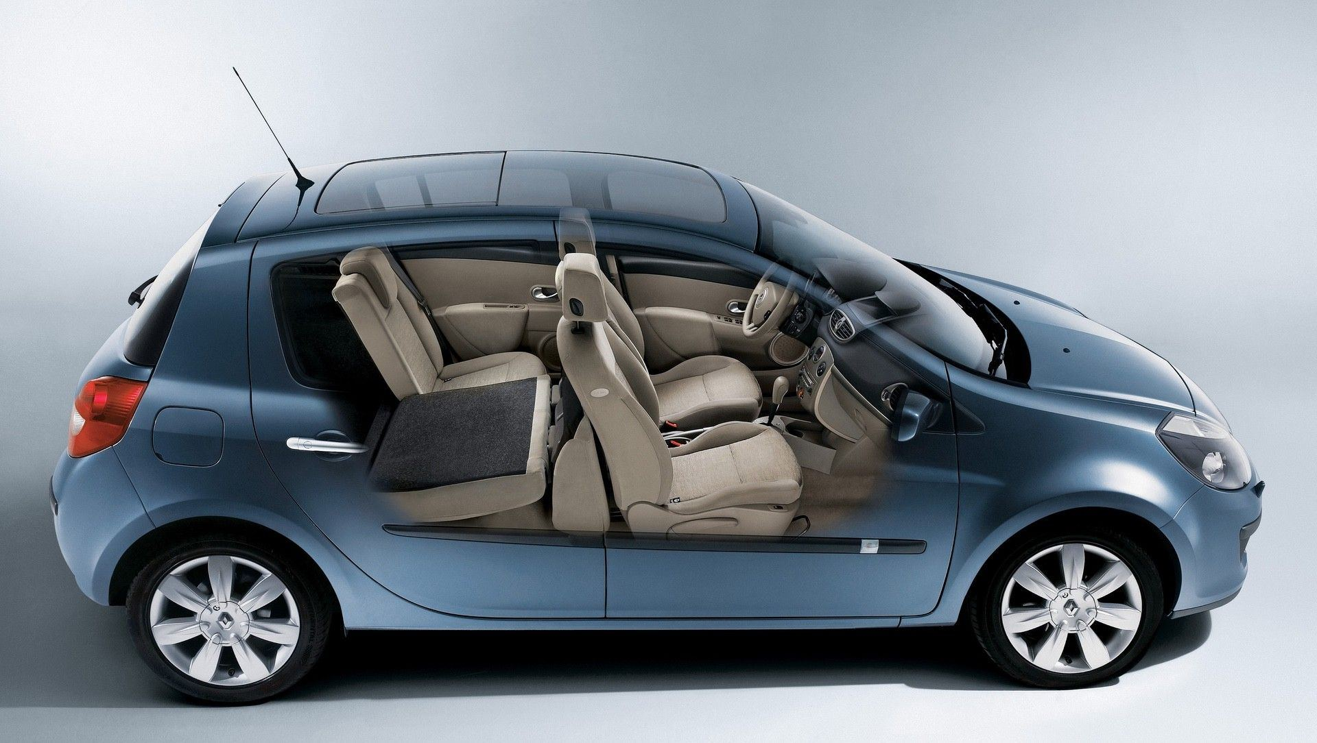 2020-30-years-of-Renault-CLIO-Renault-CLIO-III-2005-2012-12