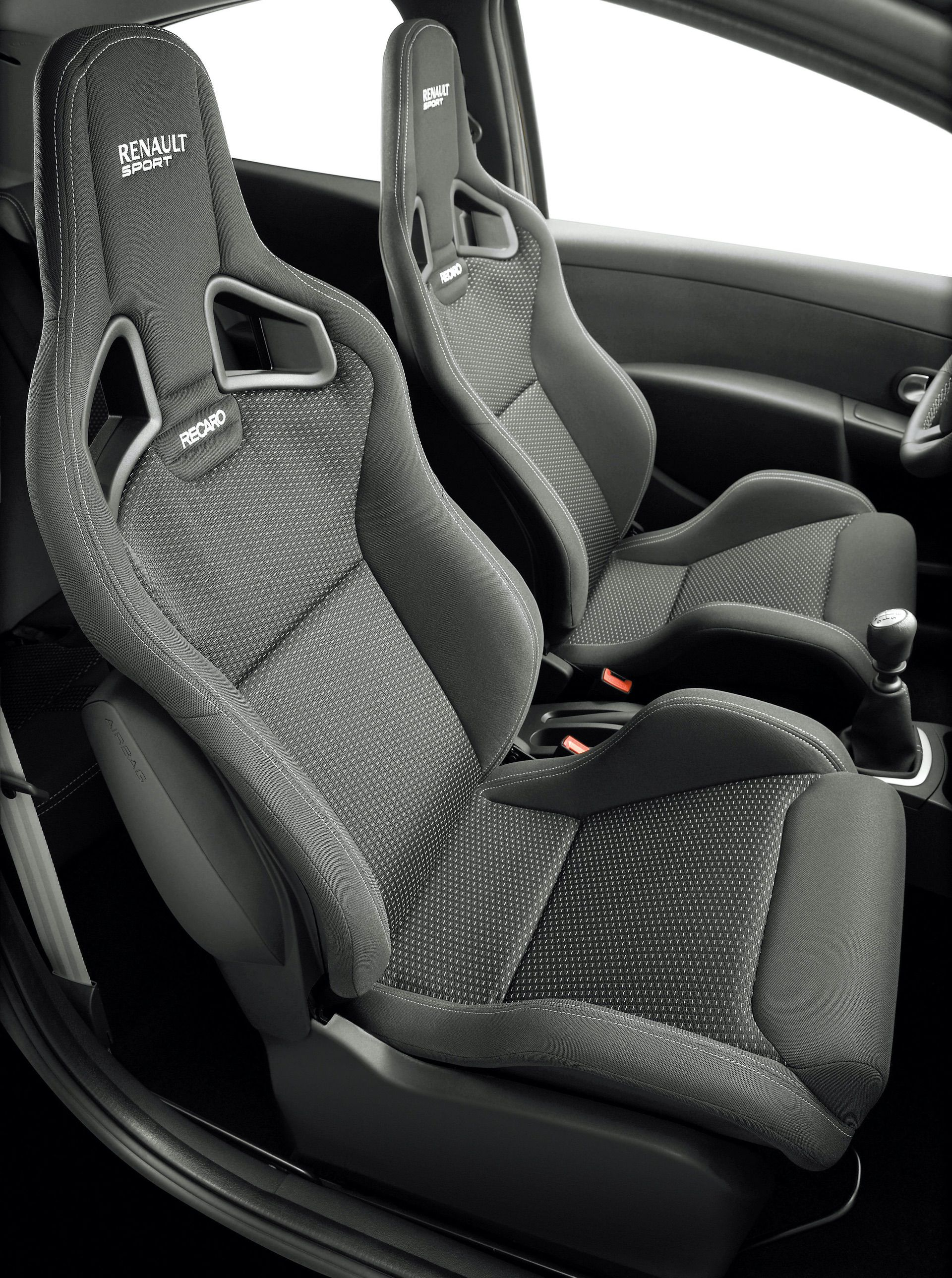 2020-30-years-of-Renault-CLIO-Renault-CLIO-III-2005-2012-16