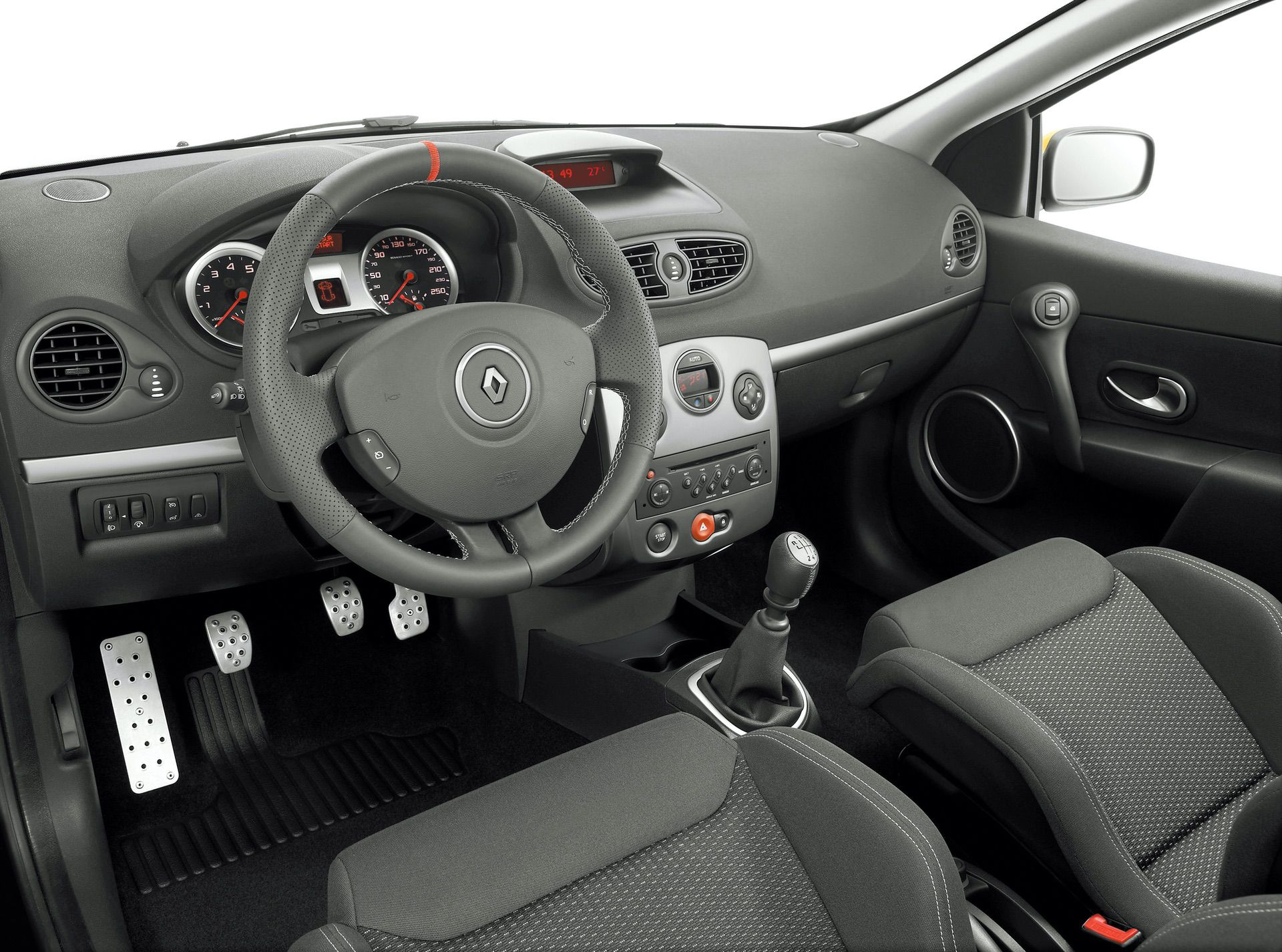 2020-30-years-of-Renault-CLIO-Renault-CLIO-III-2005-2012-17