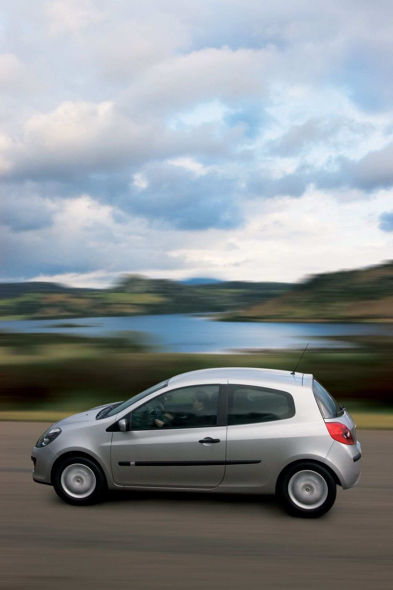 2020-30-years-of-Renault-CLIO-Renault-CLIO-III-2005-2012-4