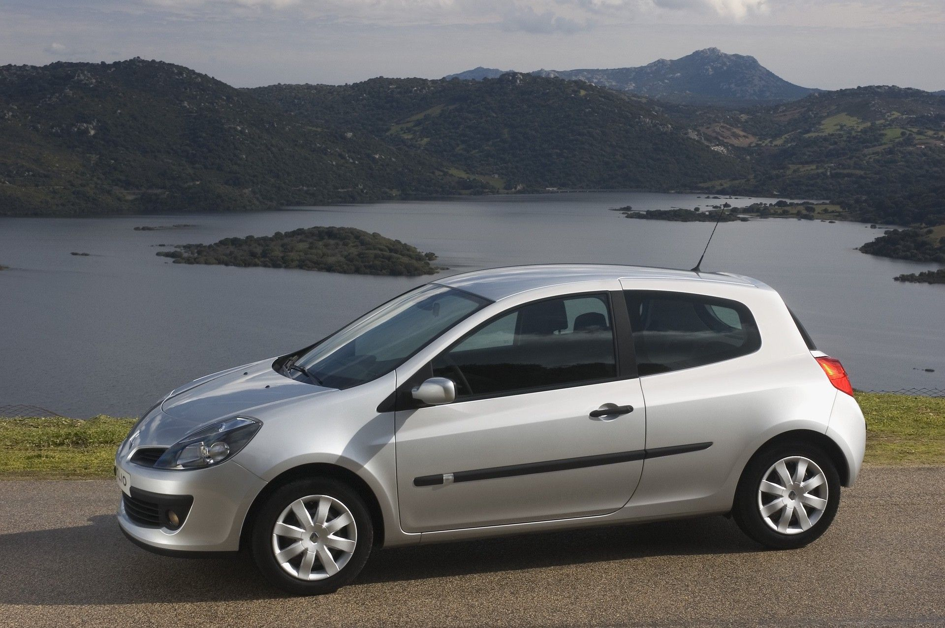 2020-30-years-of-Renault-CLIO-Renault-CLIO-III-2005-2012-5