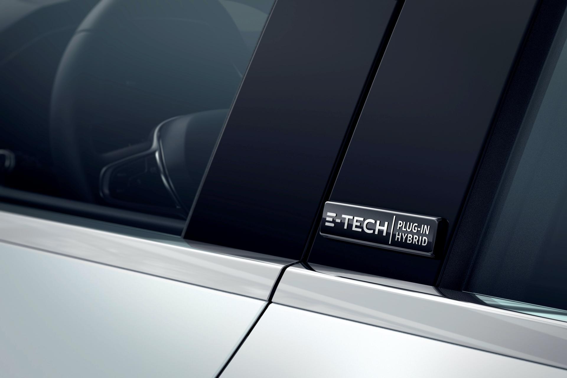 2020-Renault-Captur-E-Tech-plug-in-hybrid-7