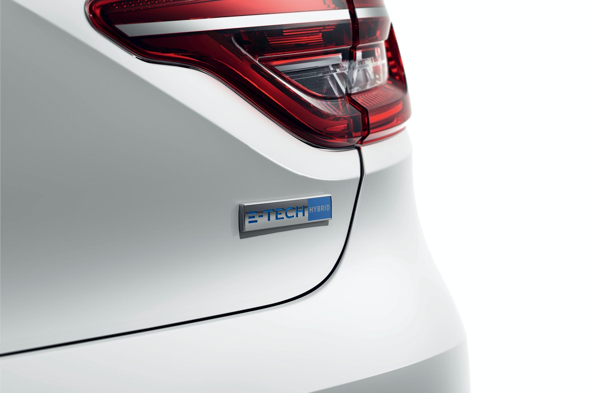 2020-Renault-Clio-E-Tech-hybrid-4