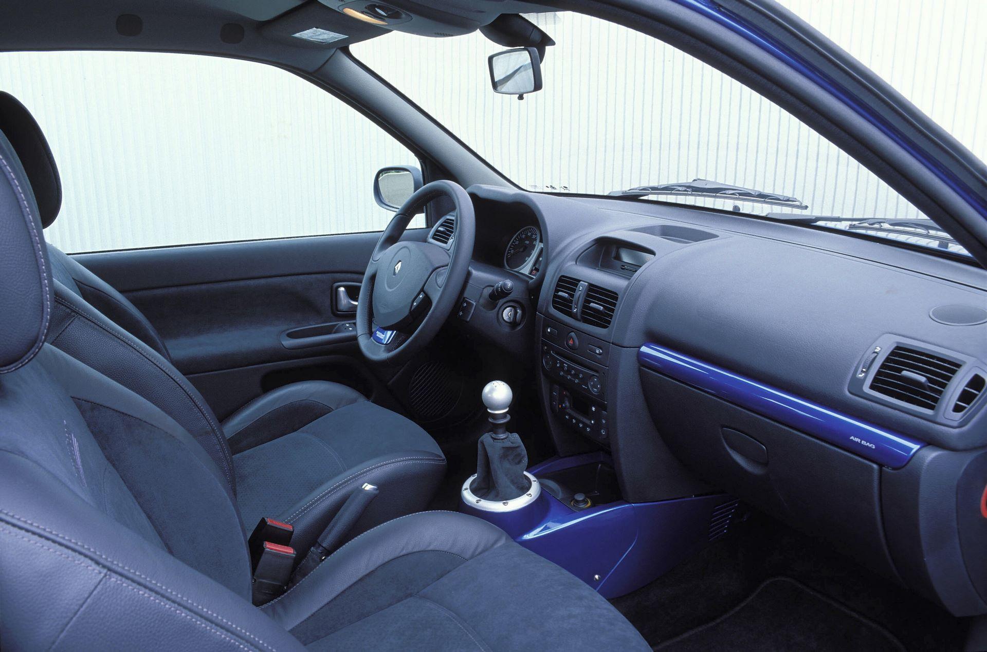 NEW CLIO V6 3.0 24V
