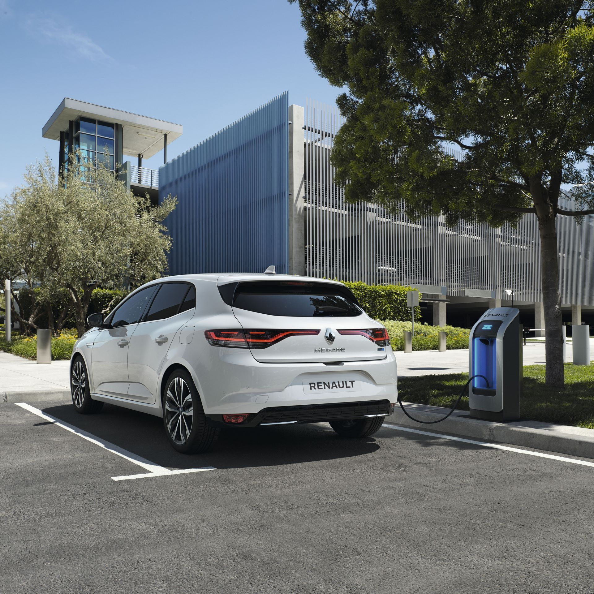 RENAULT MEGANE IV BERLINE E-TECH PLUG-IN - PHASE 2