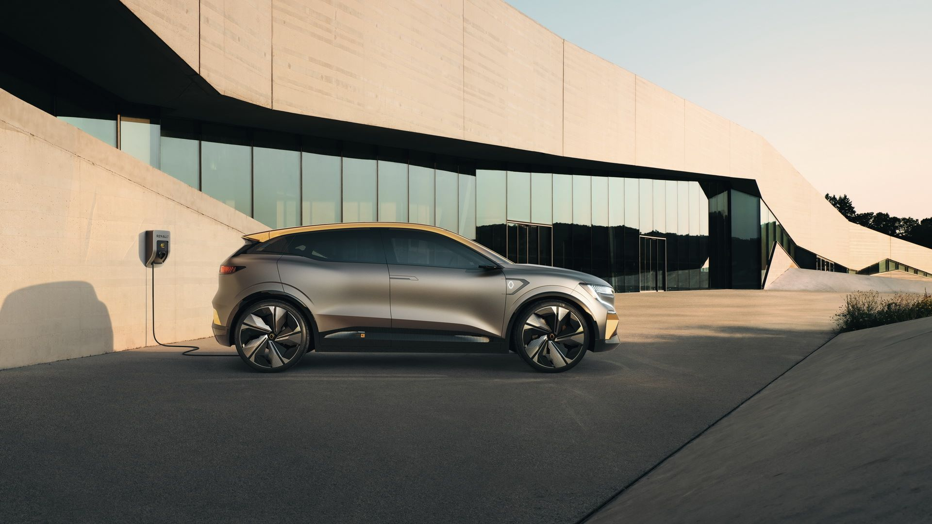 Renault-Megane-eVision-Concept-11
