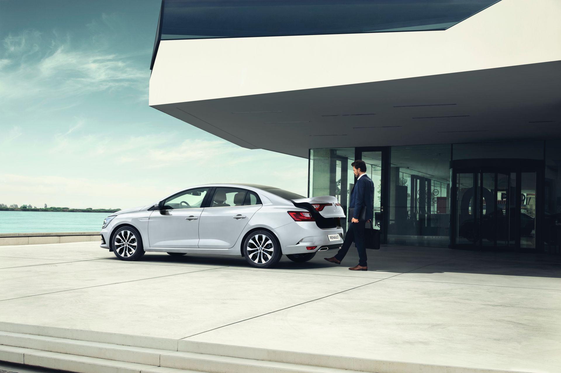 Renault-megane-grand-coupe-sedan-facelift-2021-2