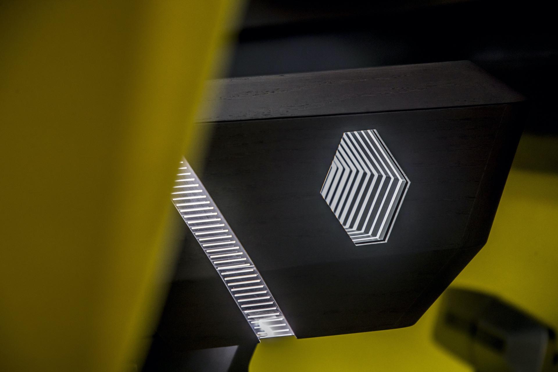Renault_Morphoz_concept_0153