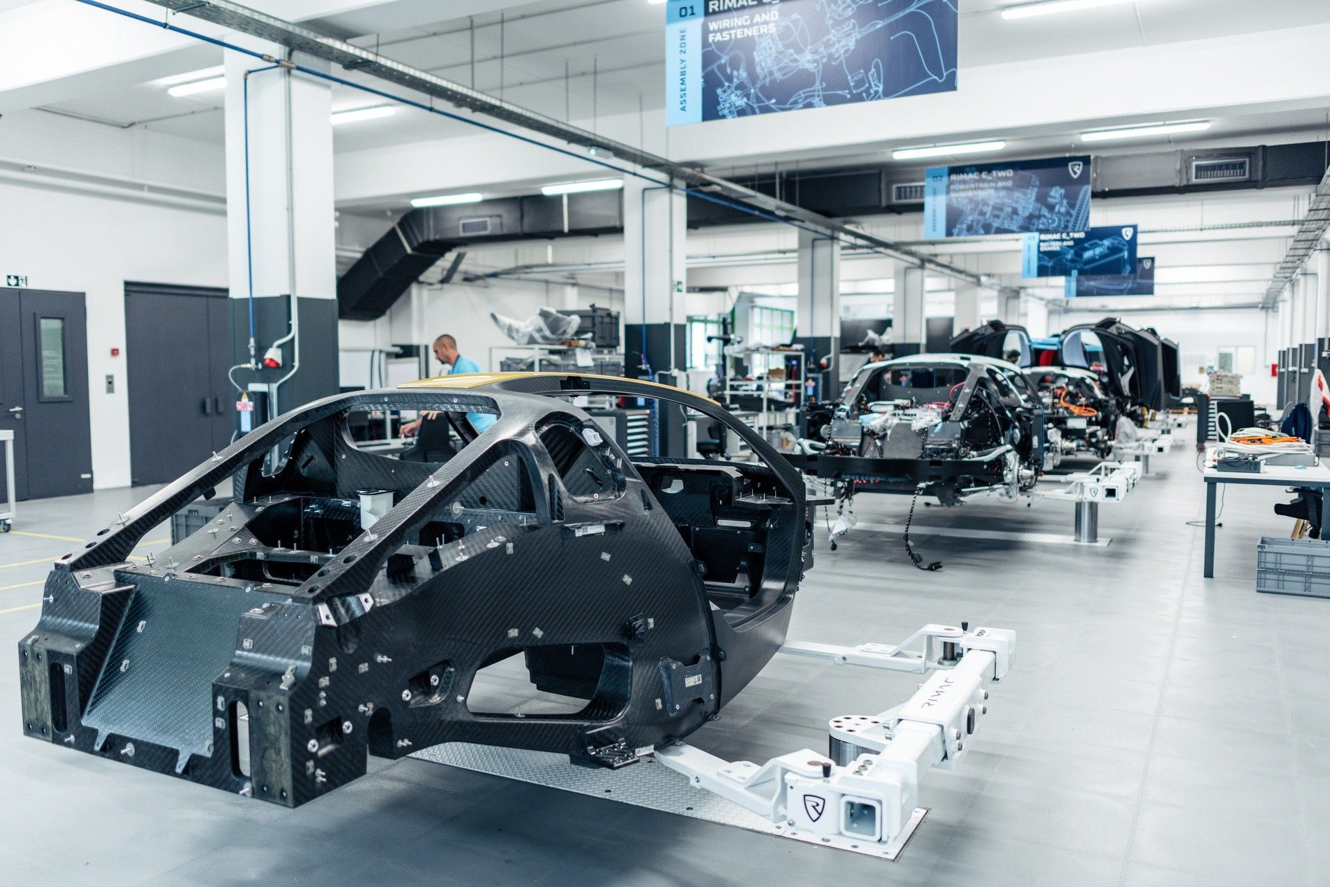 Rimac-C_Two-assembly-line-2