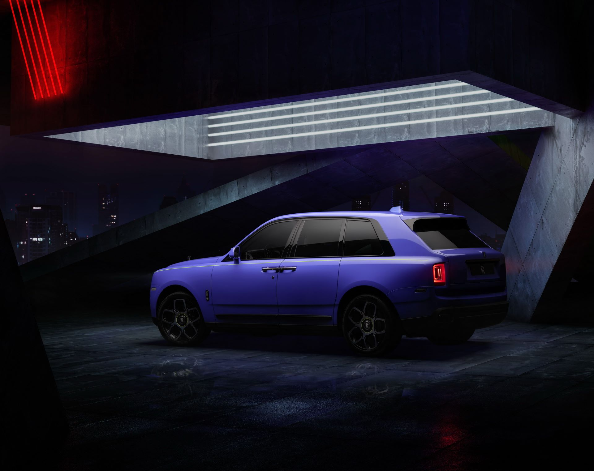 Rolls-Royce-Black-Badge-Neon-Nights-9