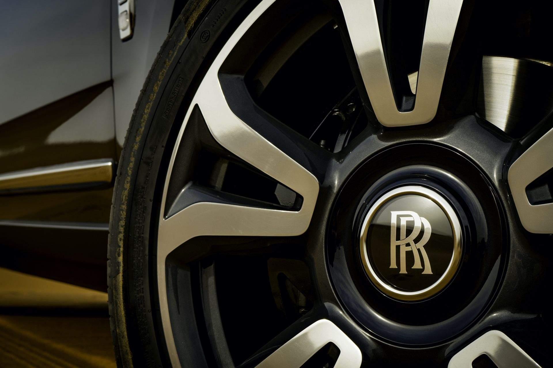 P90403715_highRes_rolls-royce-cullinan