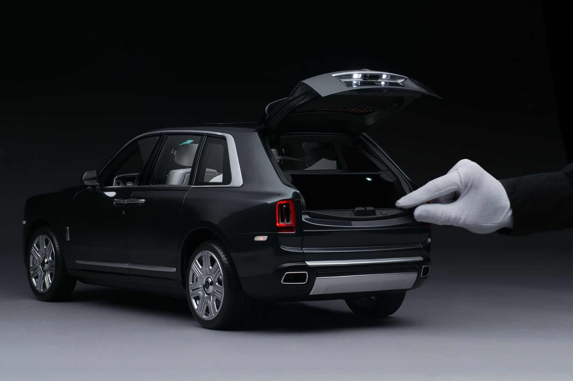 Rolls-Royce_Cullinan_Scale_Model_0001