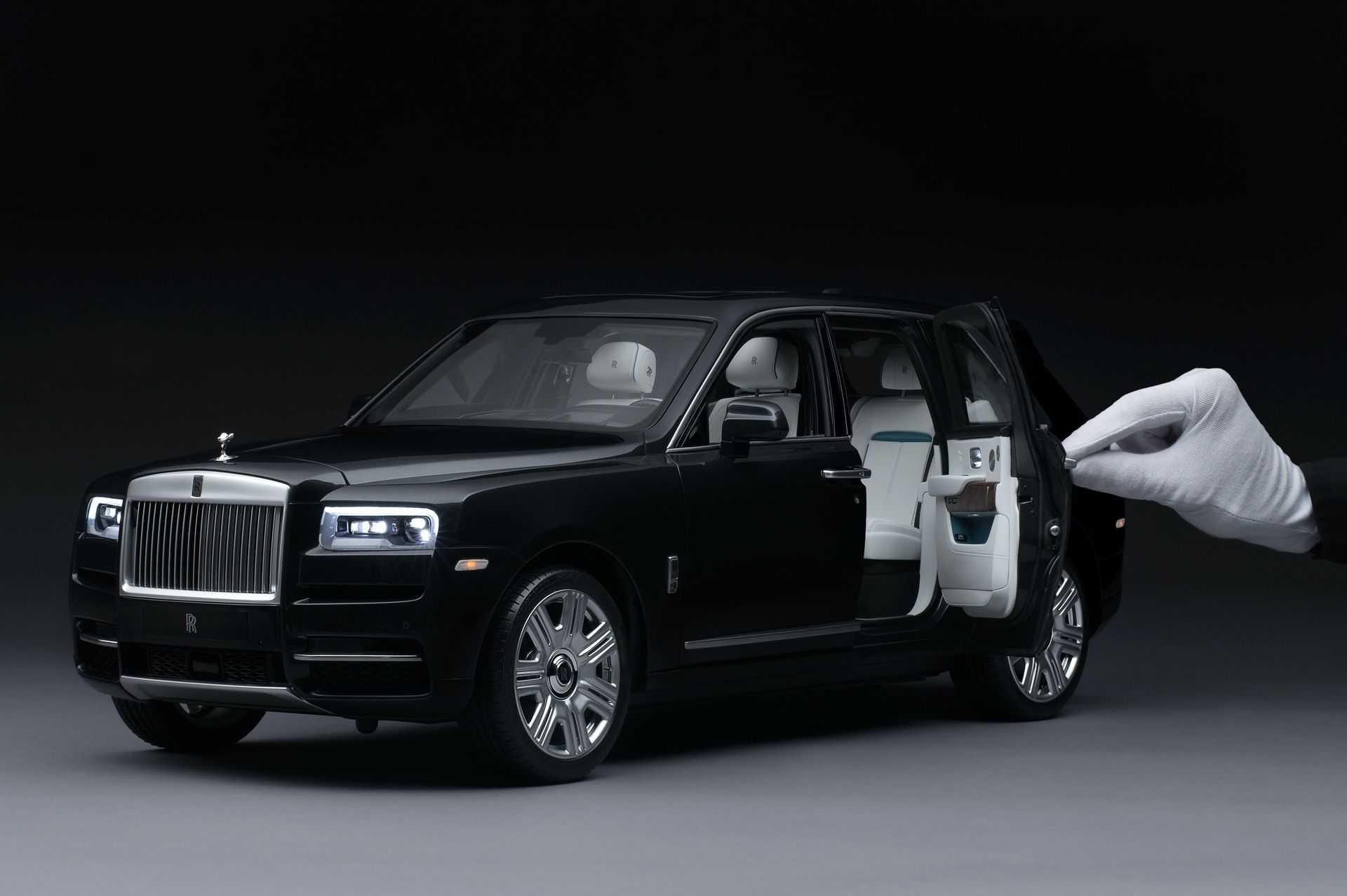 Rolls-Royce_Cullinan_Scale_Model_0002