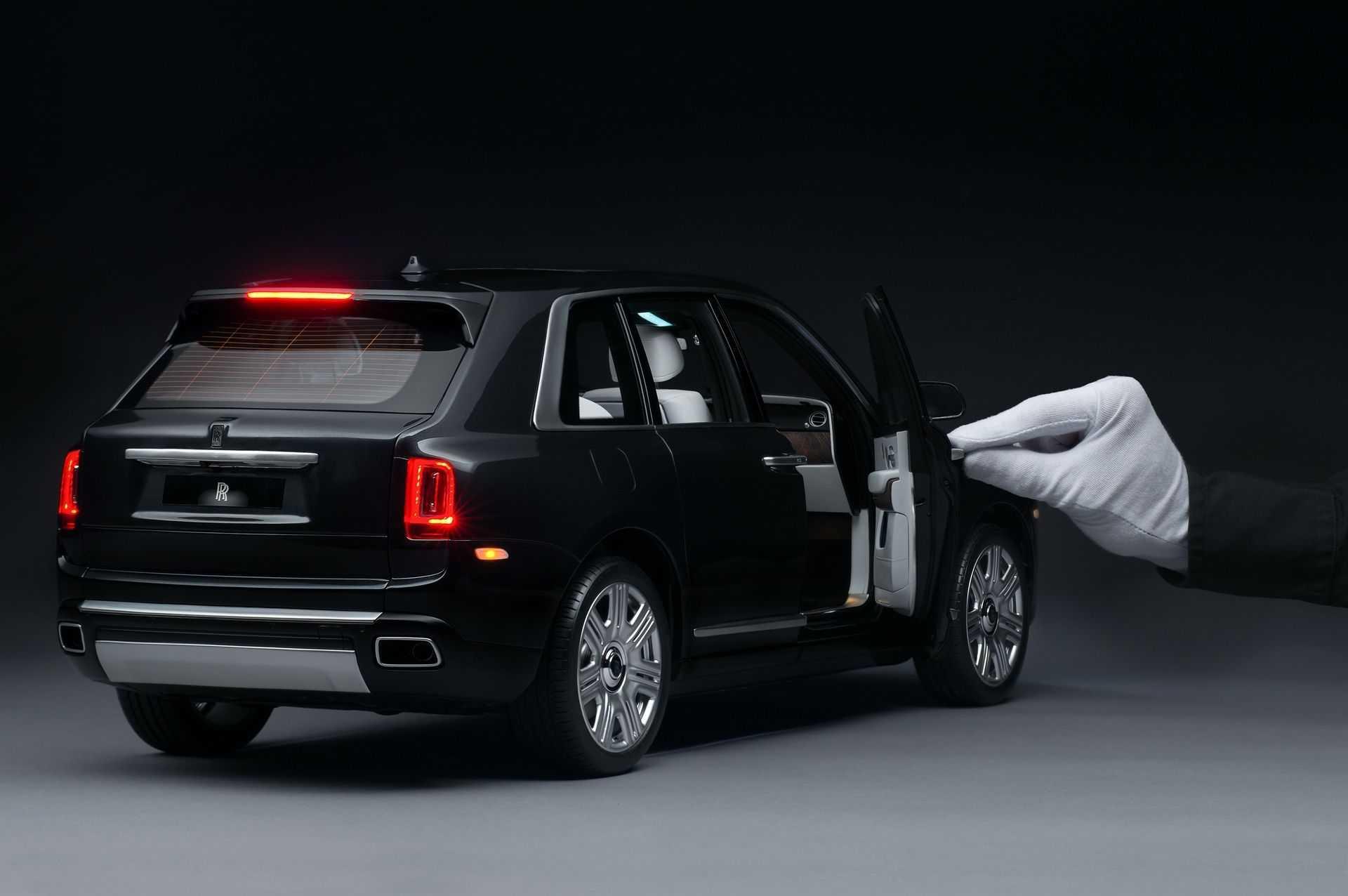 Rolls-Royce_Cullinan_Scale_Model_0003